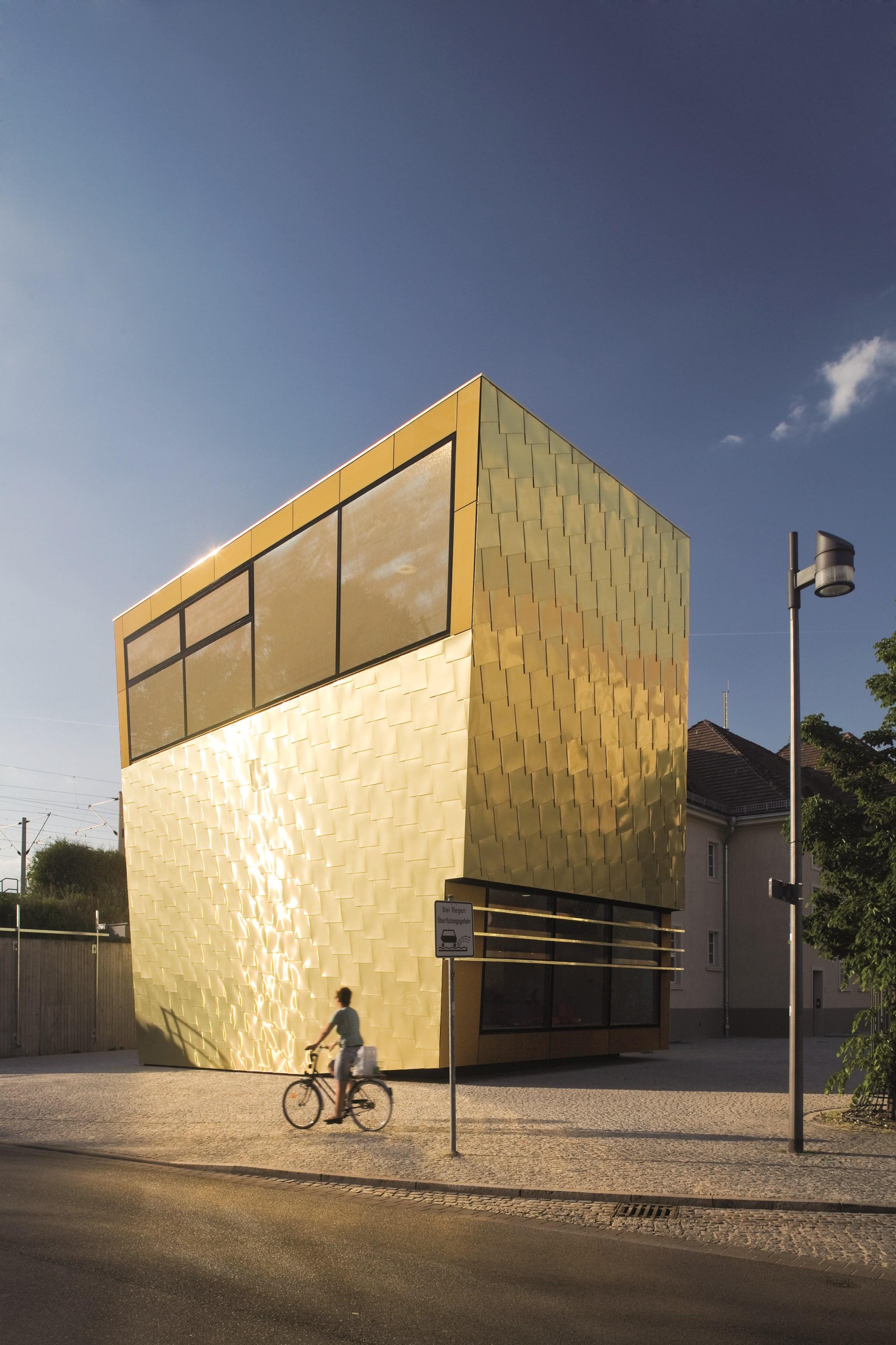 Alloys Facades By Kme Brass Facade Architecture Dor Pinterest Design ...