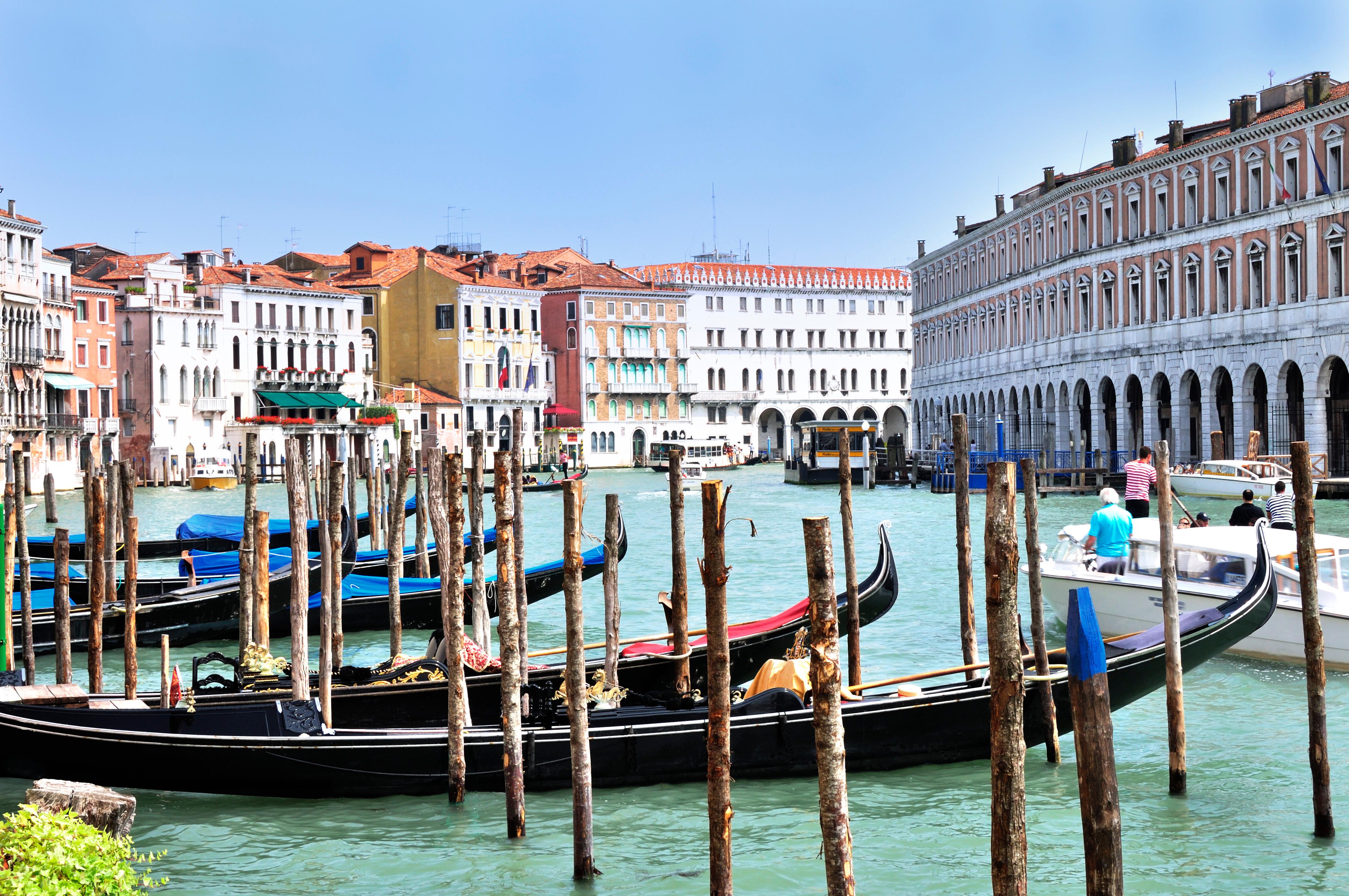 """Gondolas at Hotel Ca' Sagredo - Grand Canal - Rialto - Venice Italy Venezia - Creative Commons by gnuckx, Art, Rialto, Nikon, """"No, HQ Photo"""