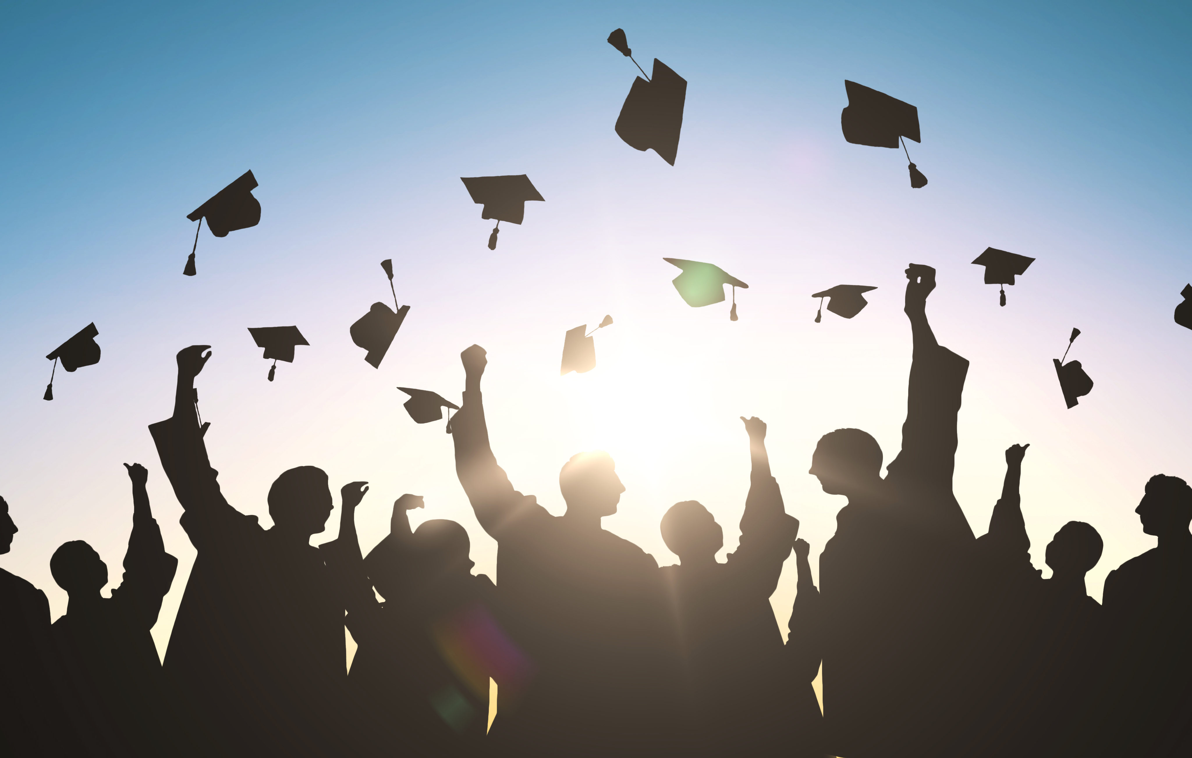 30 Great Graduation Gifts Friendly to Your Budget | Money Talks News