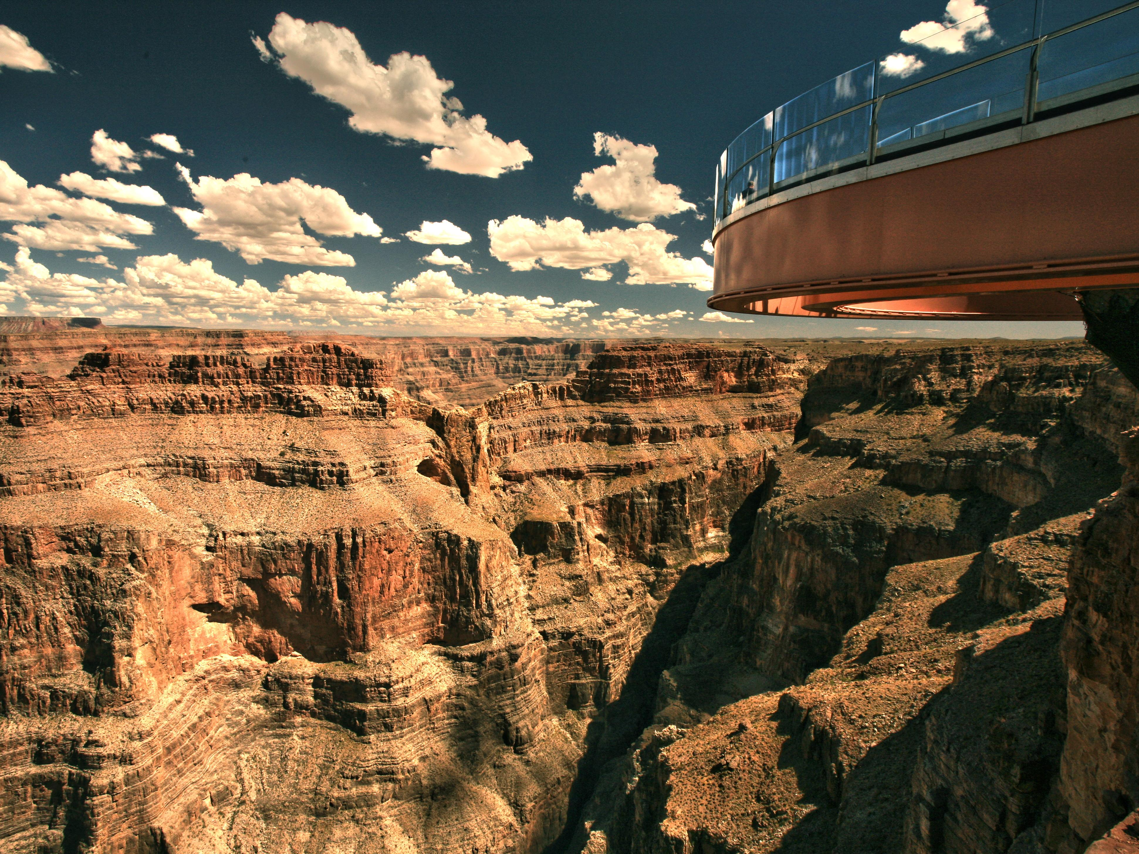 8-Day Yellowstone National Park, Mt Rushmore, Grand Canyon and Las ...