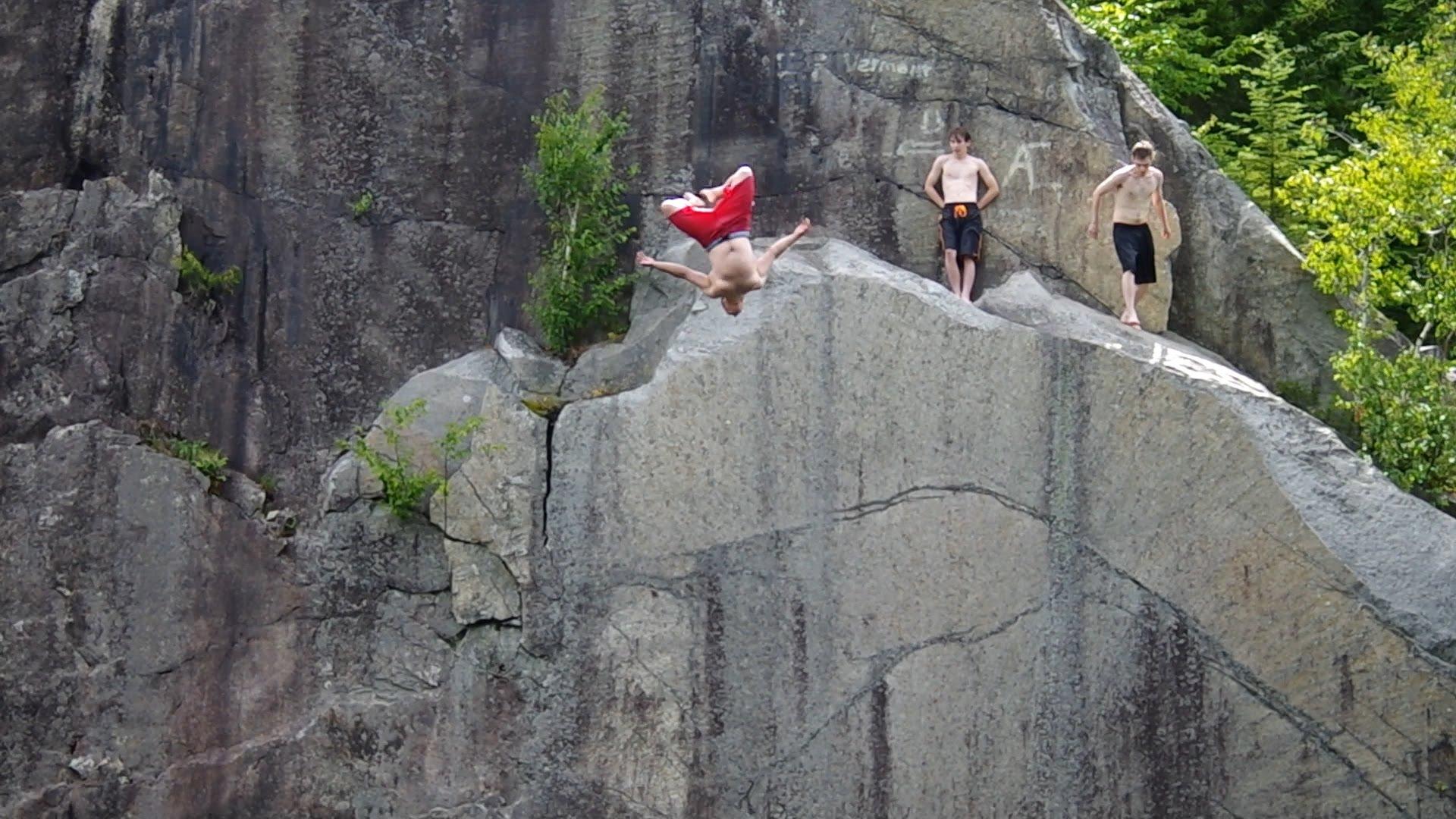 Vermont Cliff jumping Granite Quarry - YouTube