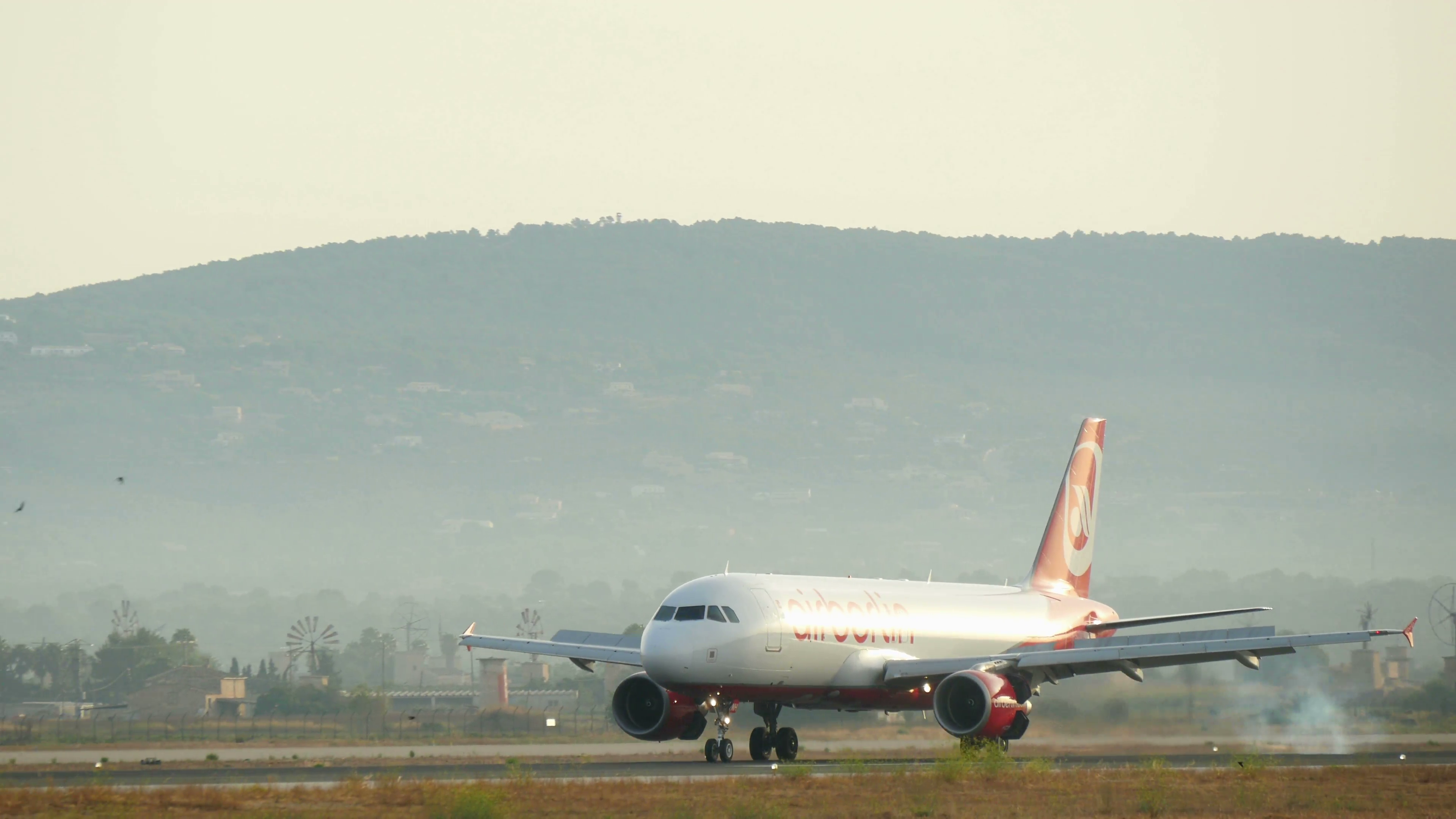 Commercial Airliner Flight Landing at Mallorca Airport Passenger ...