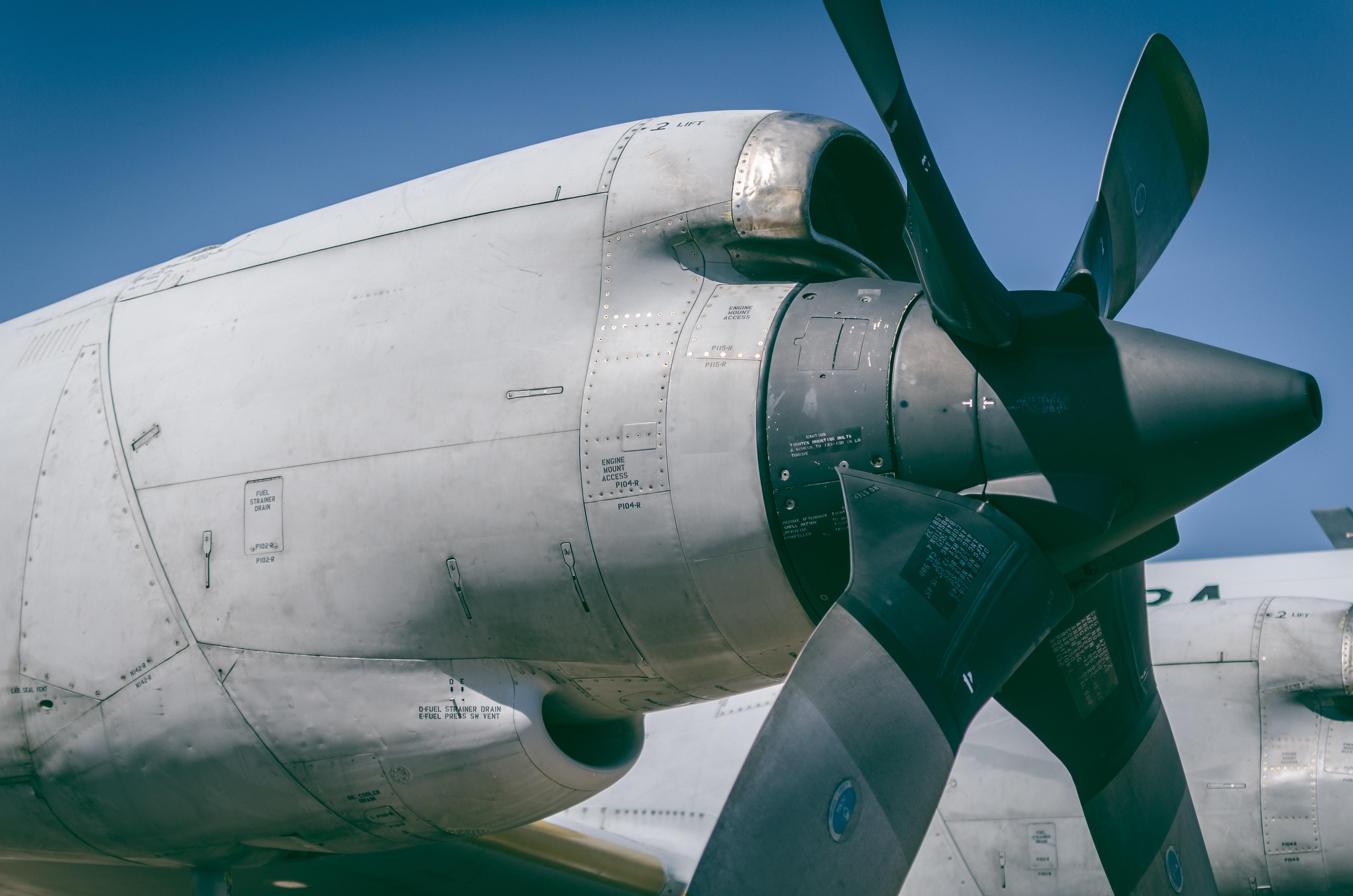 Gray and black plane photo