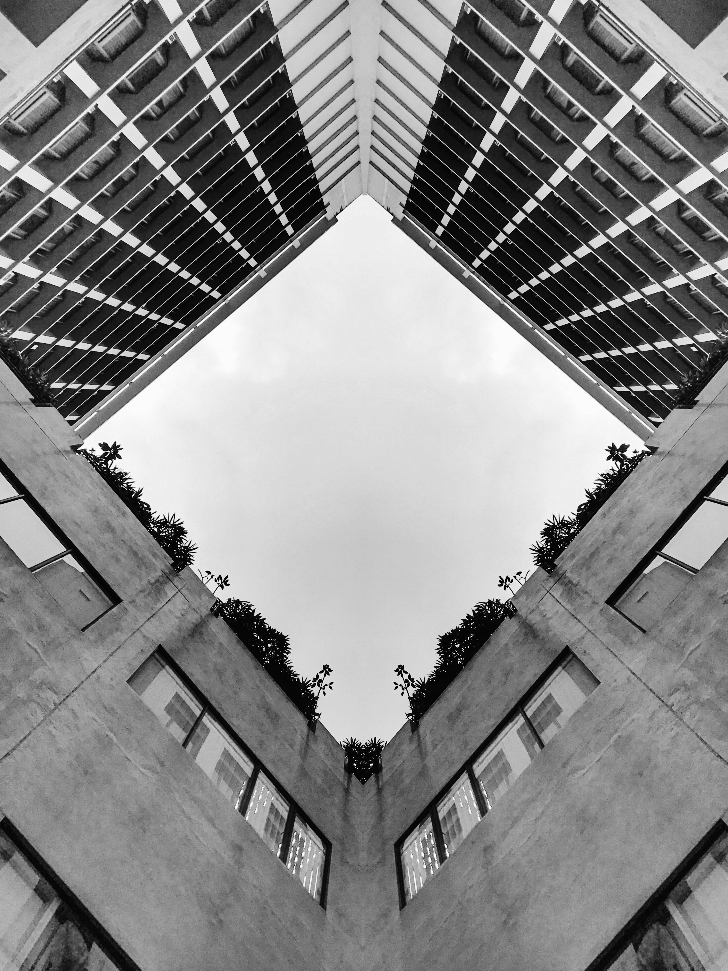 Gray high-rise building photo