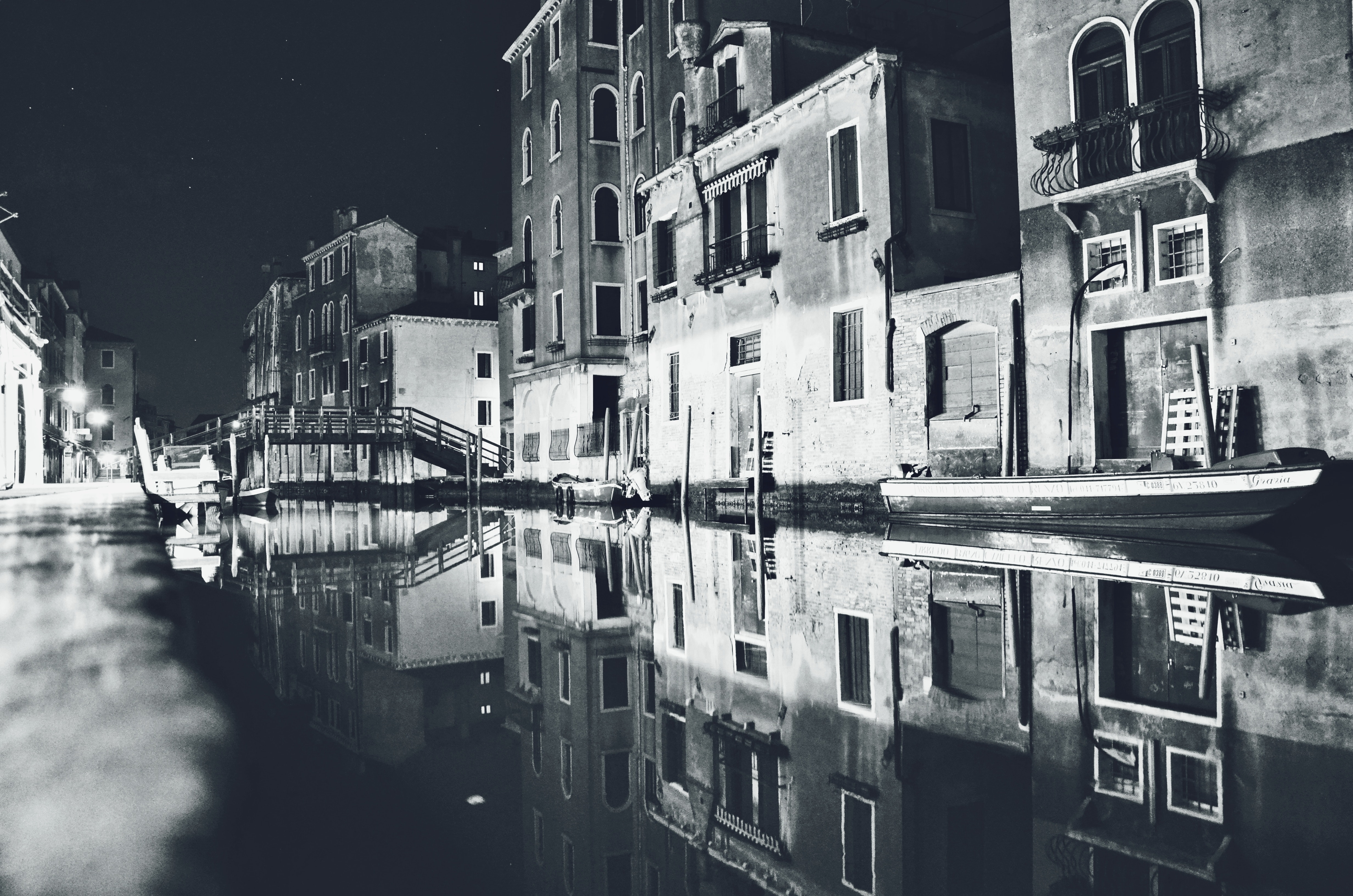 Gray Houses Architectural Photography, Balconies, Black and white, Boats, Bridge, HQ Photo