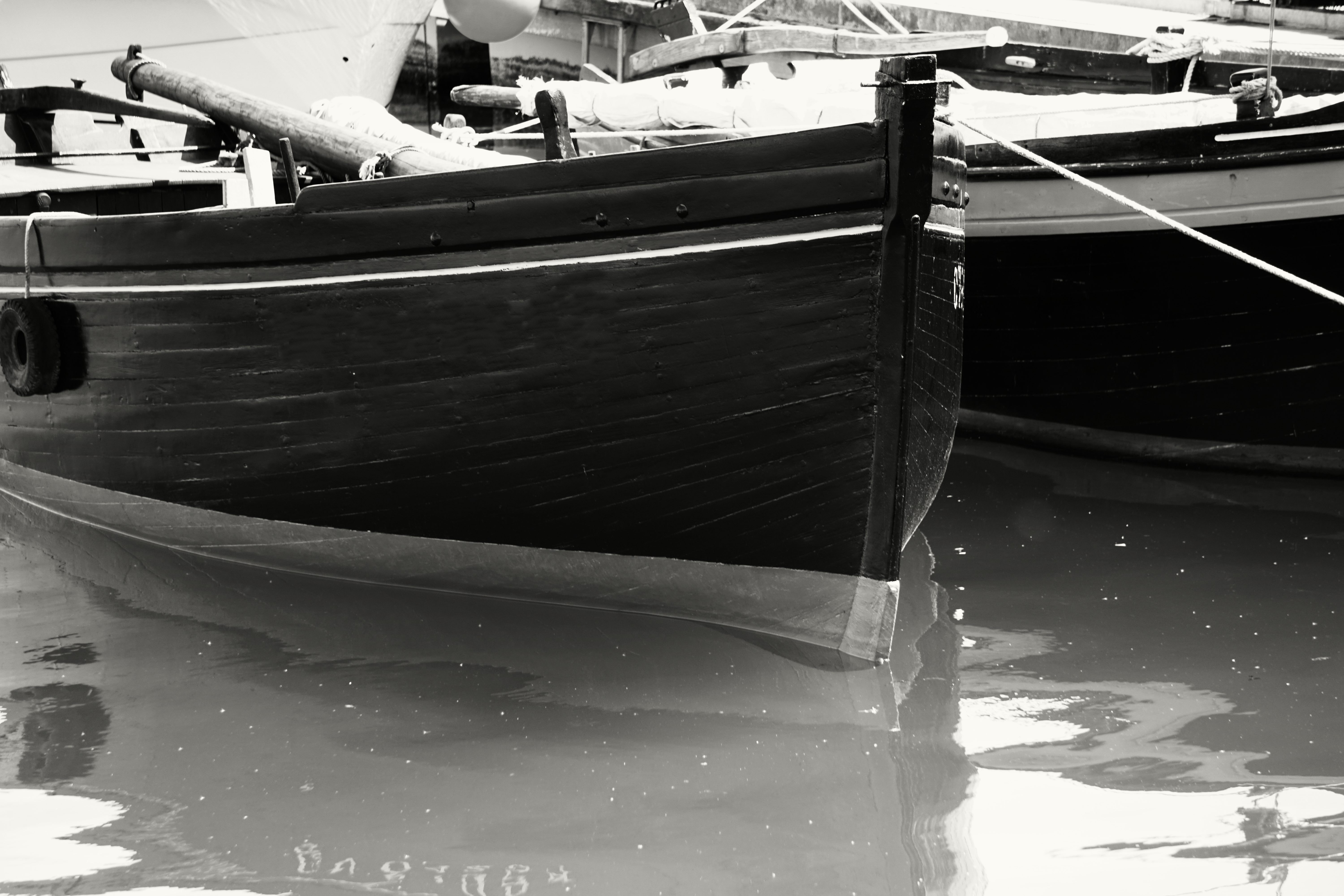 Gray Scale Photo of Boat on Body of Water, Black-and-white, Boats, Harbor, Harbour, HQ Photo