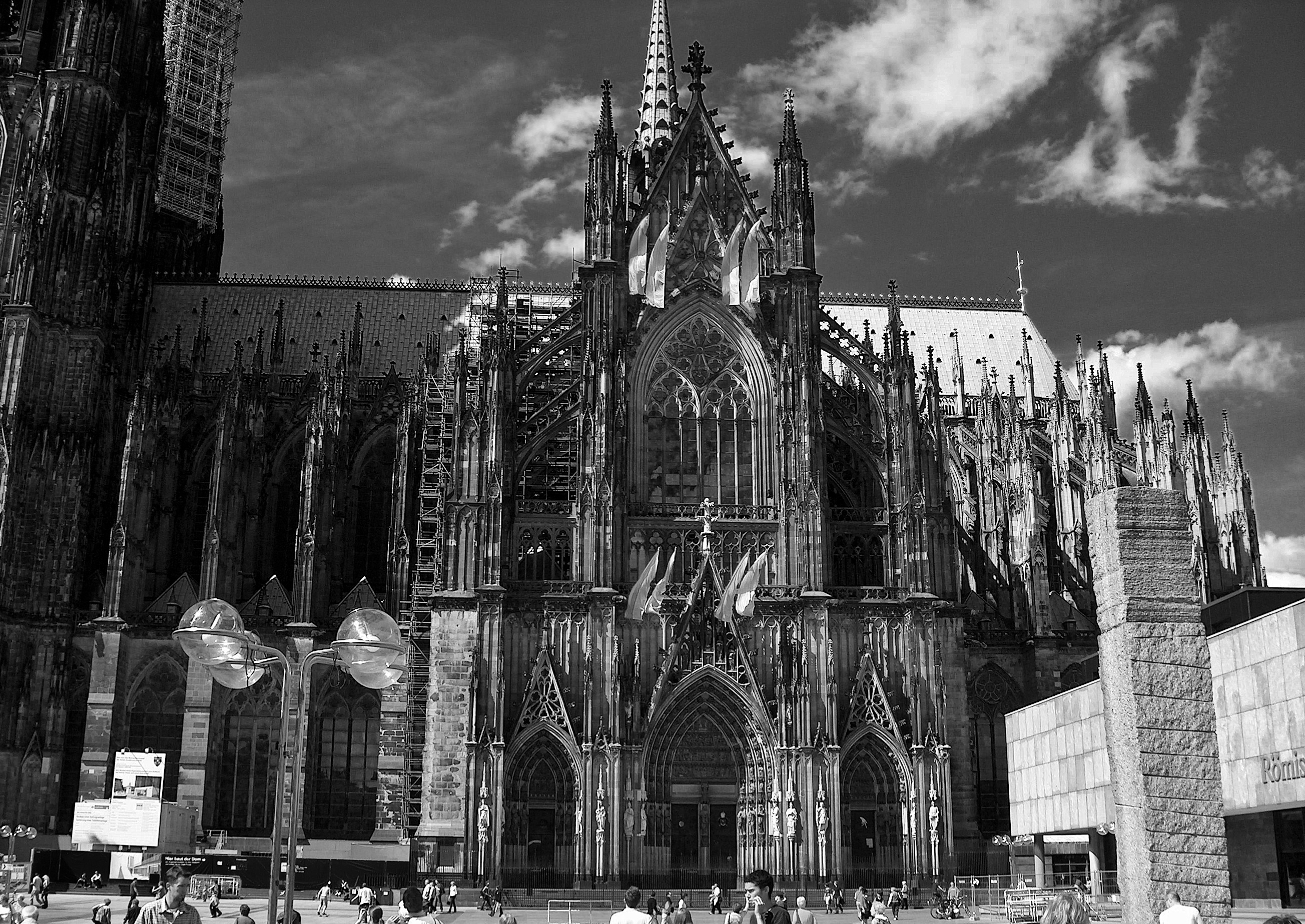 Cologne Cathedral, grayscale – Thoughts, Maps, and Gingersnaps
