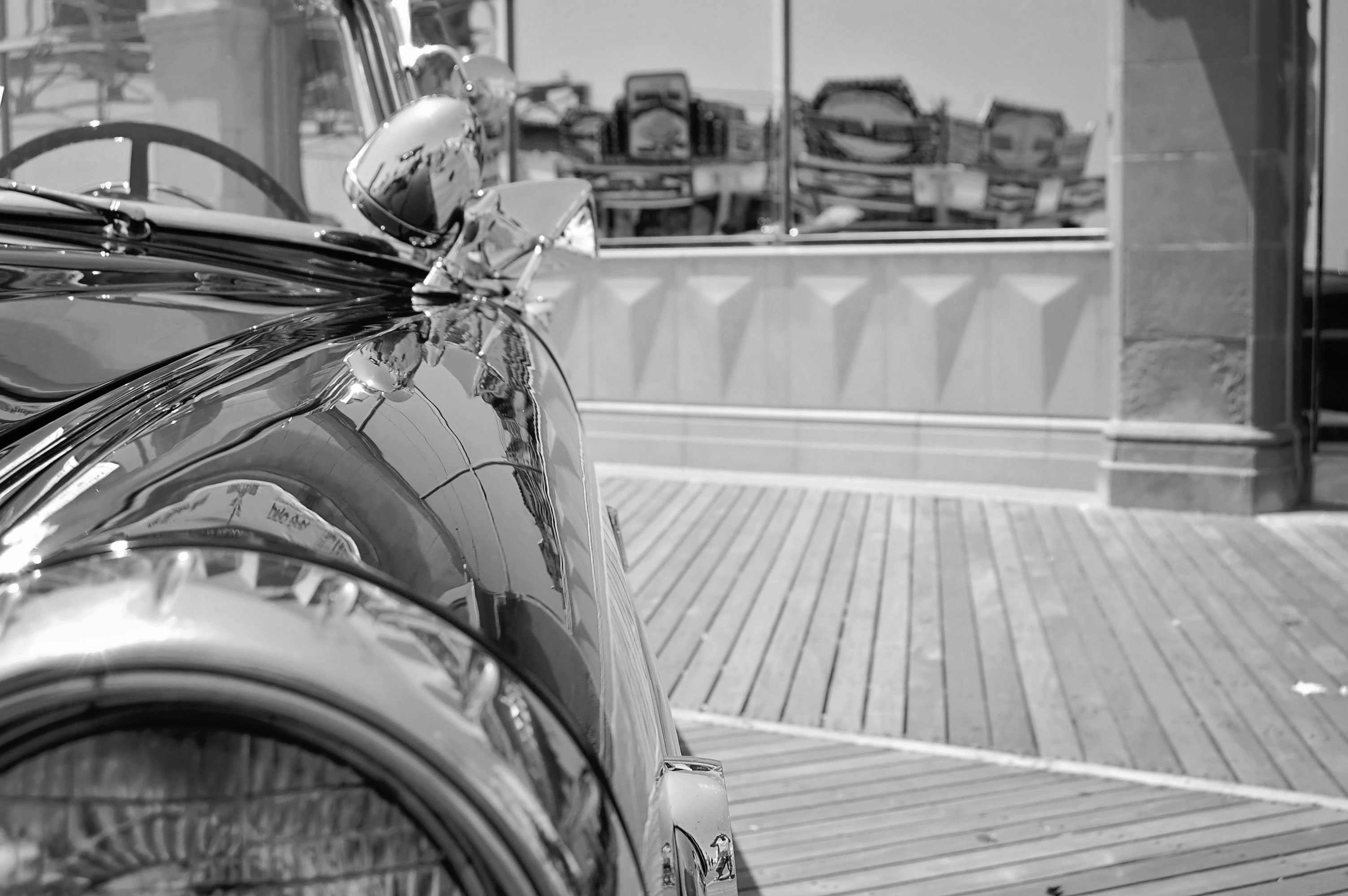 Grayscale Photo of Car Near Glass Panel, Automobile, Reflections, Window, Vintage car, HQ Photo