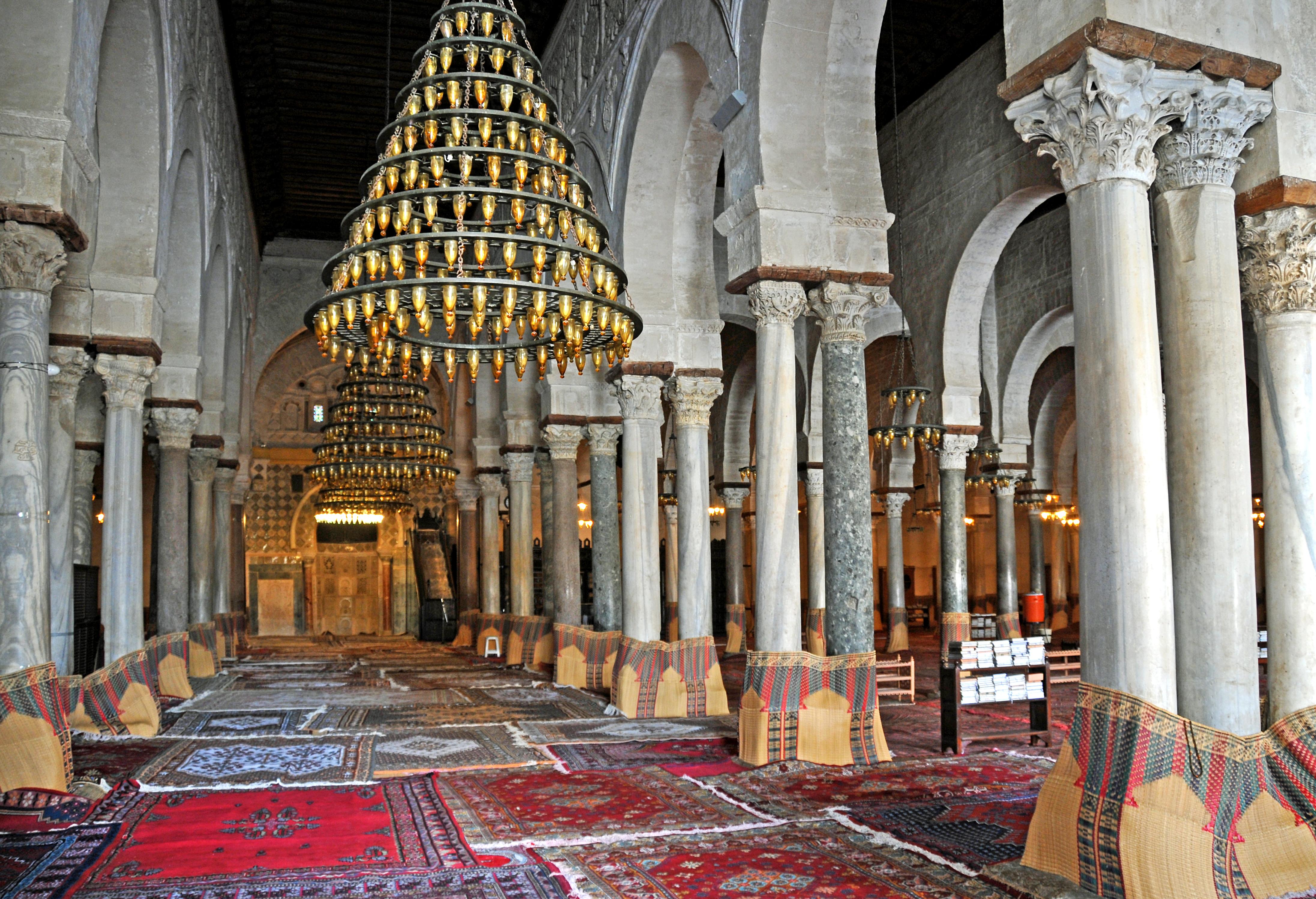 File:Great Mosque of Kairouan, prayer hall.jpg - Wikimedia Commons