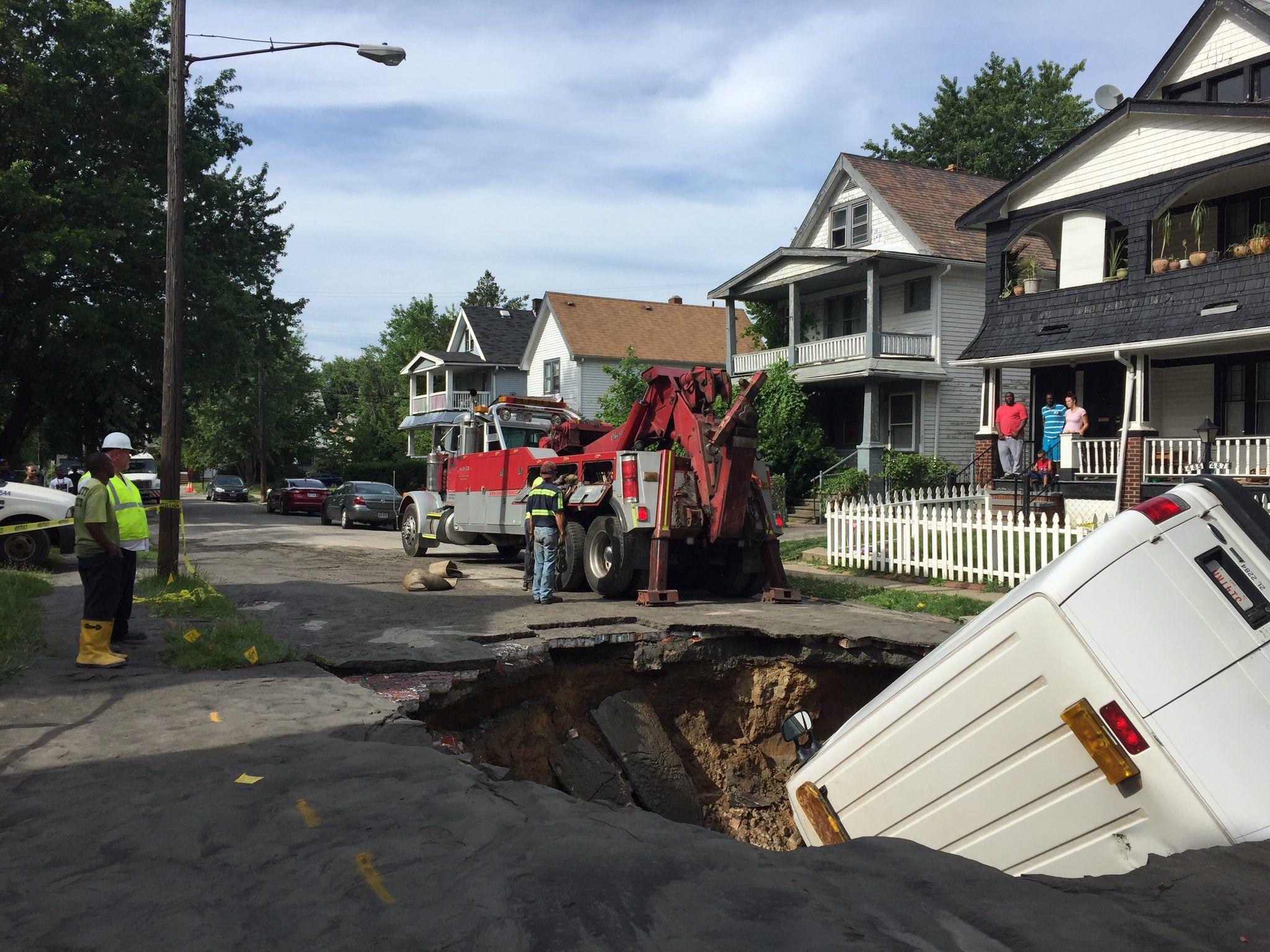 Cleveland City Vehicle Falls Into Sinkhole | Praise Cleveland