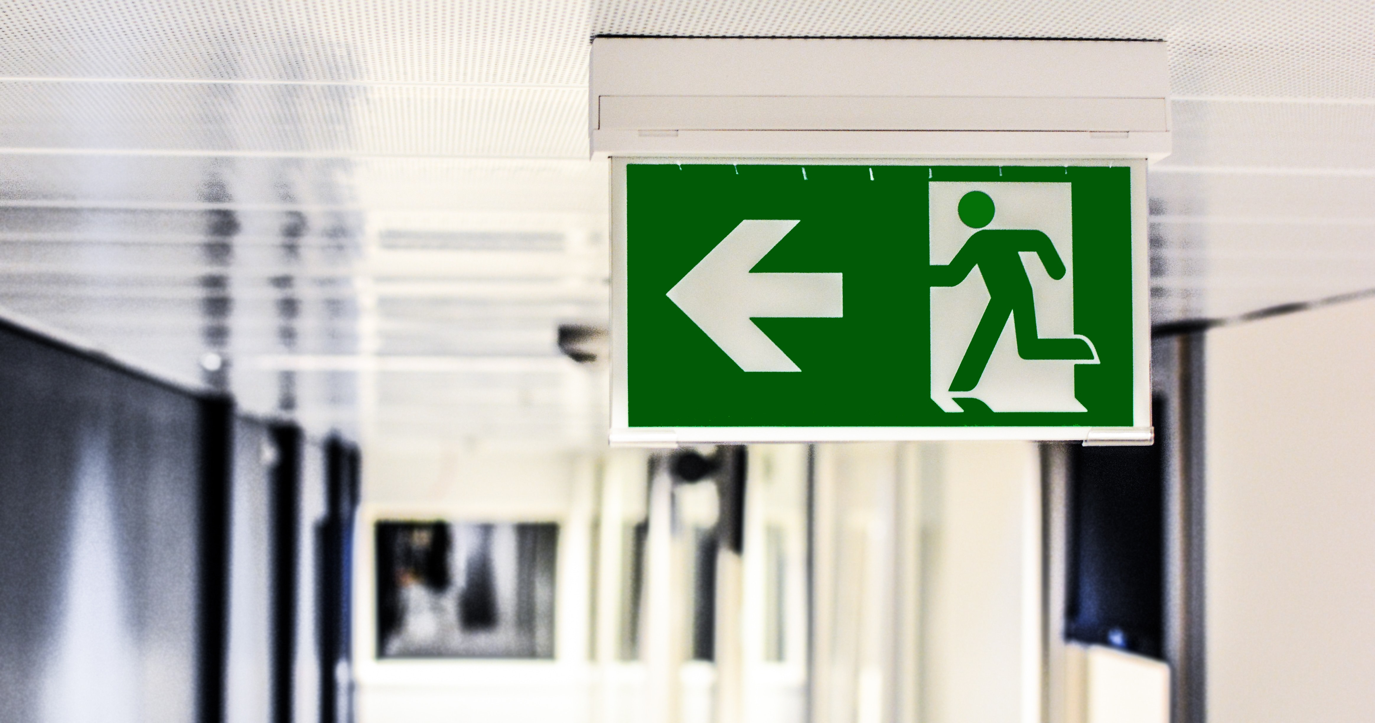 Green and White Male Gender Rest Room Signage, Arrow, Blur, Depth of field, Directional sign, HQ Photo