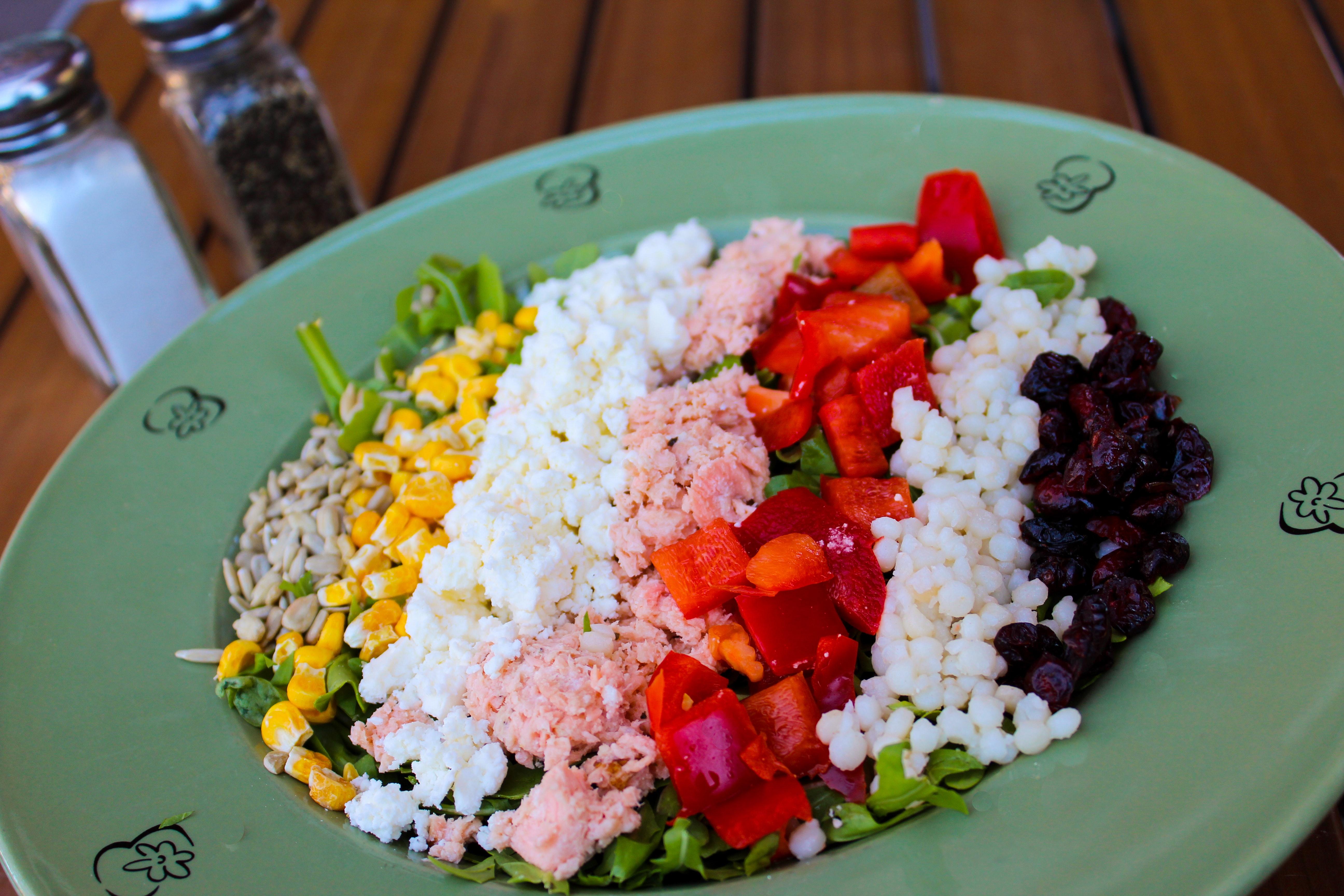 Green Ceramic Plate, Salt, Salad, Red pepper, Sunflower seeds, HQ Photo