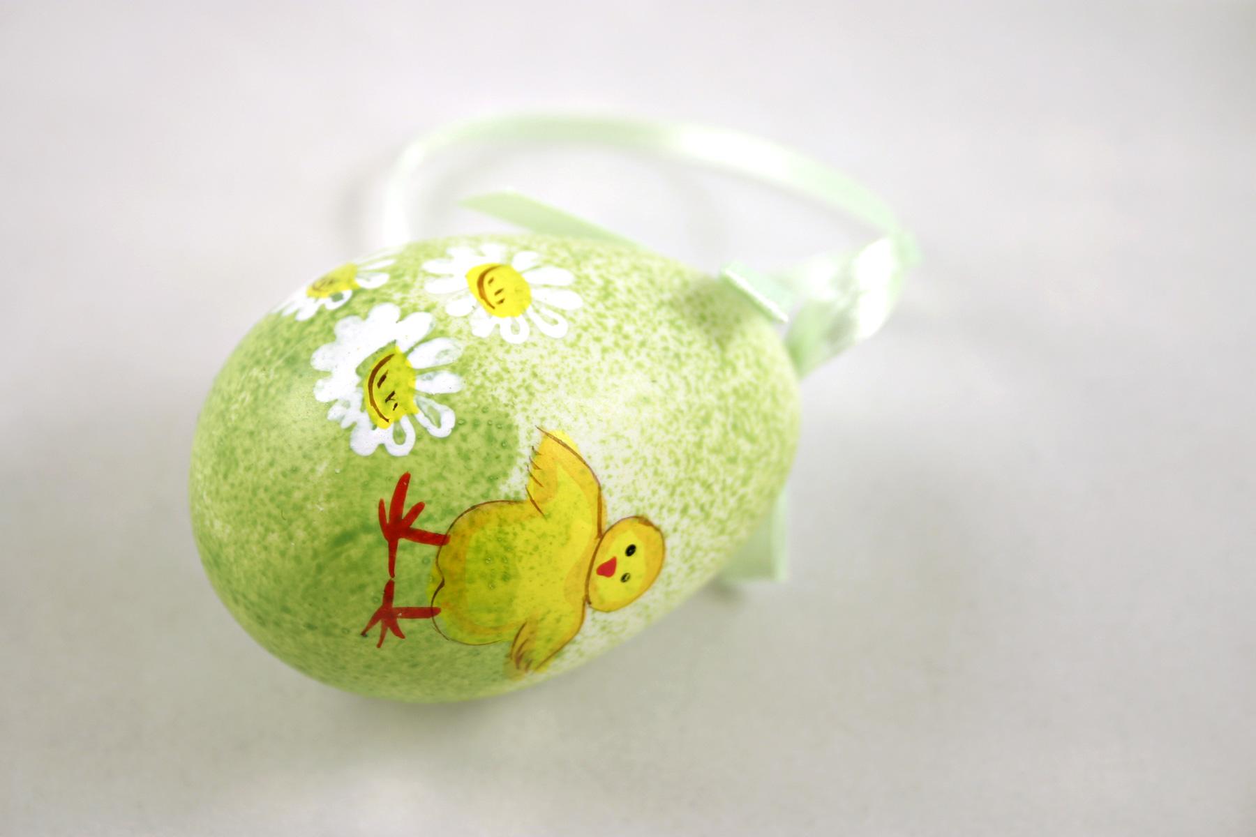 Green easter egg, Chicken, Easter, Egg, Flowers, HQ Photo