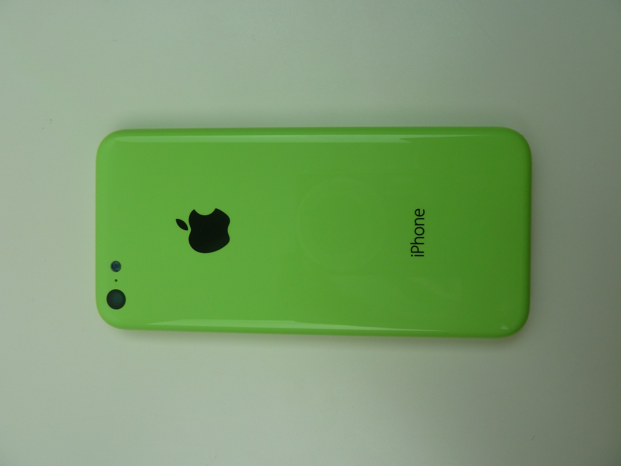 Apple iPhone 5C In Glossy Green Colour Images Surface - Tech News ...