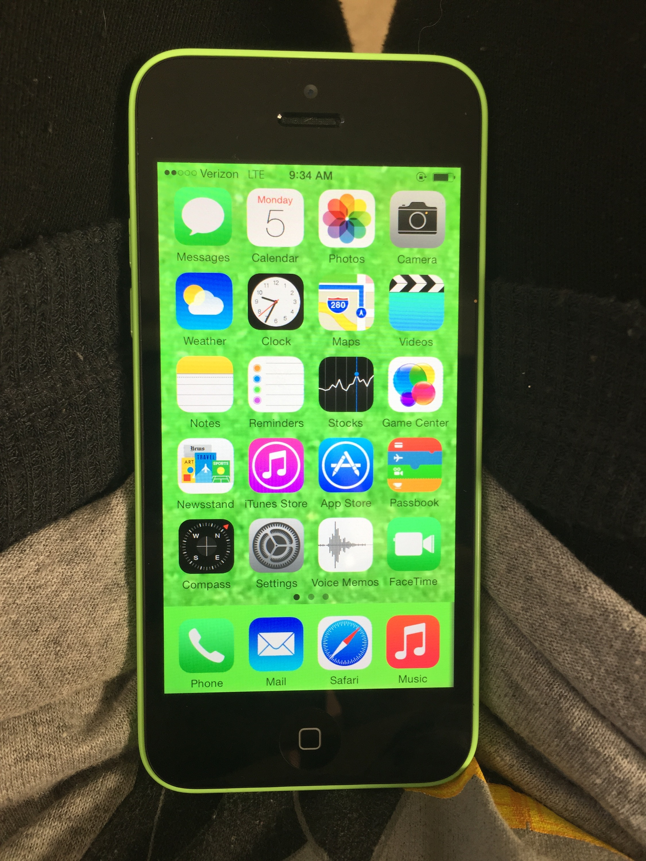 iphone; iphone 5C; lime green – •*Beauty&Brains*•