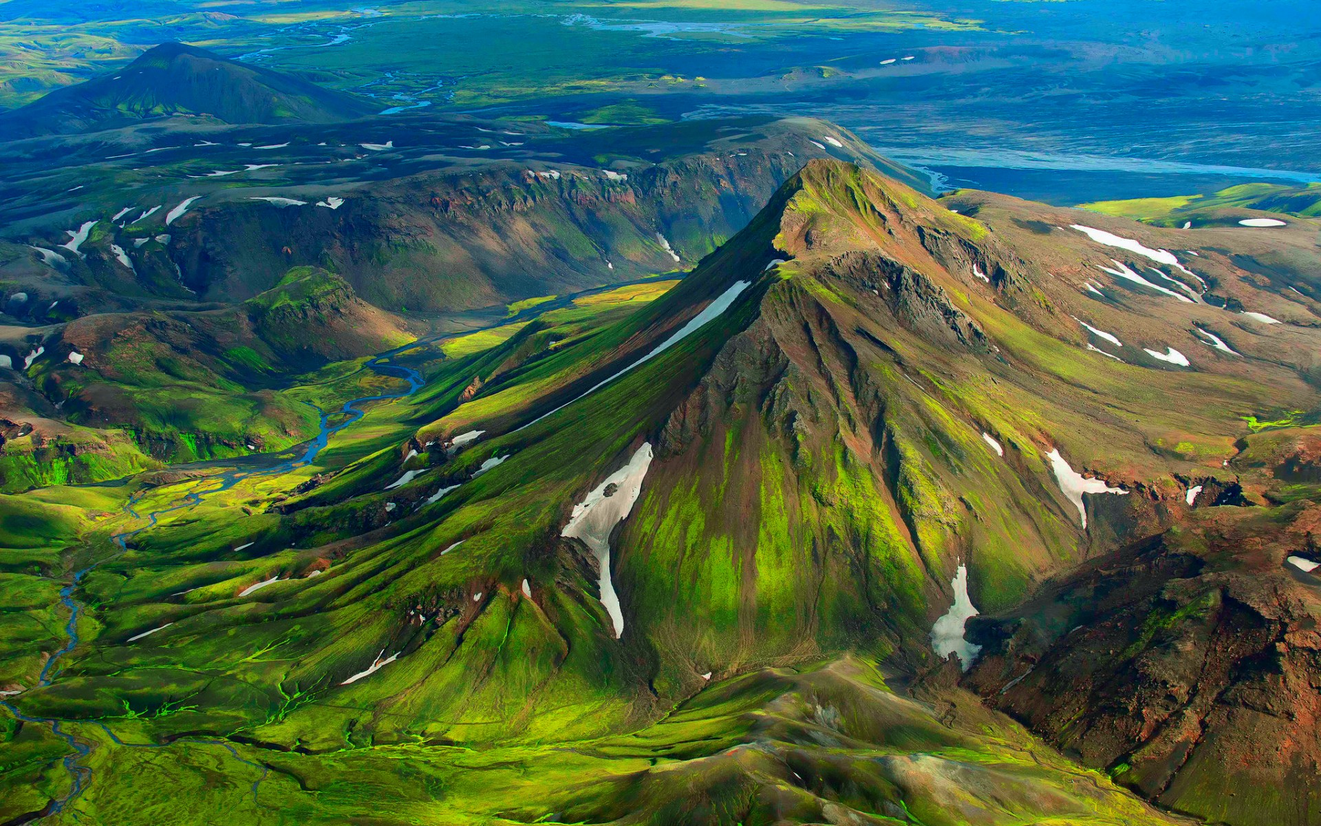 Iceland Green Mountain Snow wallpapers | Iceland Green Mountain Snow ...
