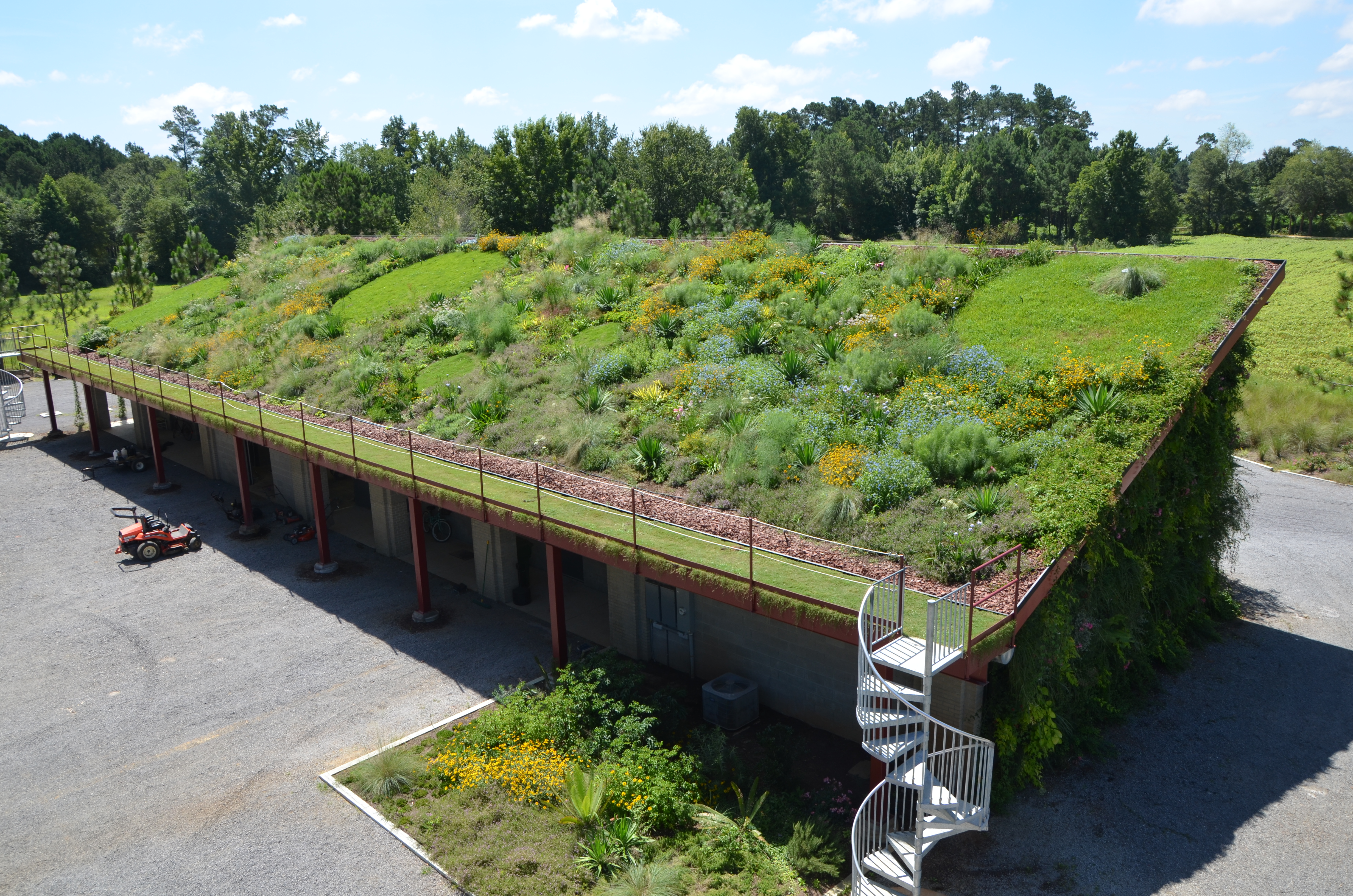 Green Roof and Living Wall – Moore Farms Botanical Garden