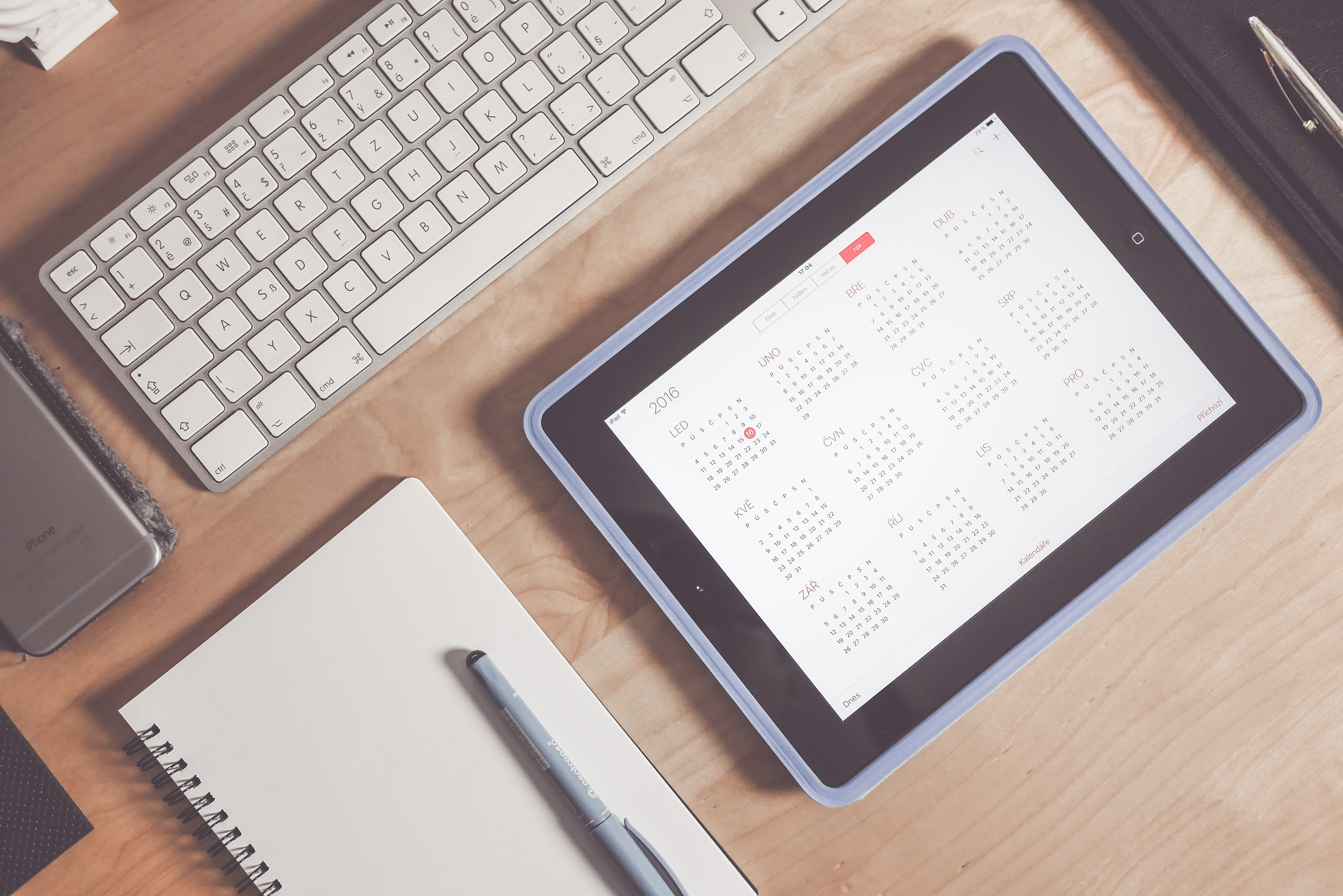 Grey Apple Keyboard and Grey Ipad, Apple, Calendar, Desk, Device, HQ Photo