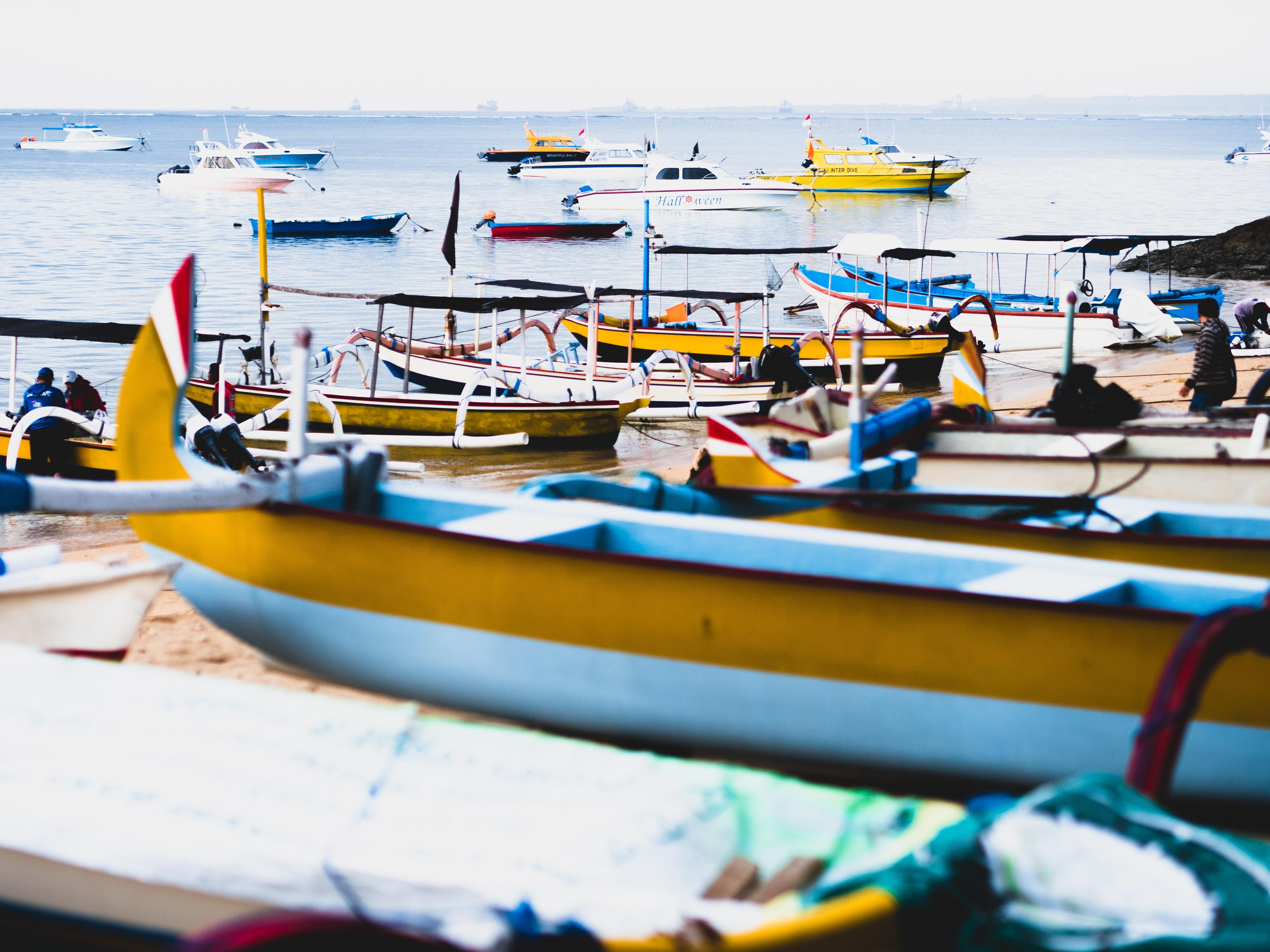 Group of Boats on Sea, Beach, Boats, Horizon, Ocean, HQ Photo