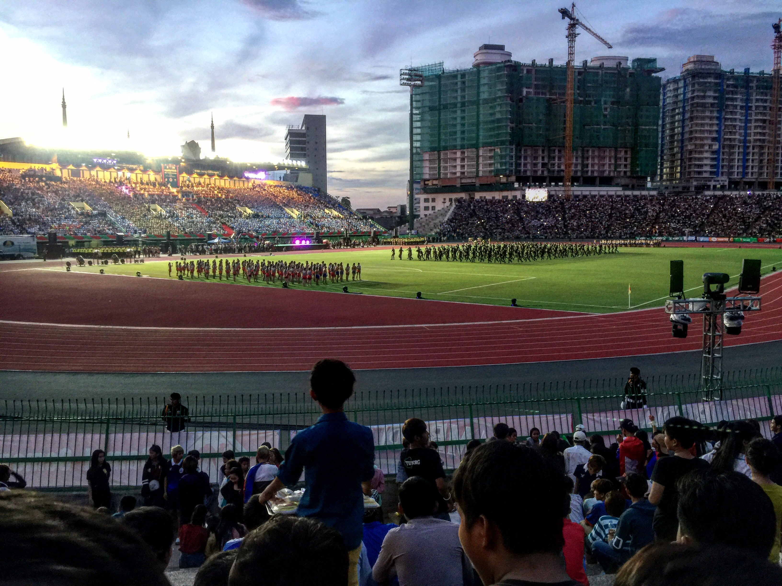 Group of People Watching Football Player Team on Field, Athletes, Uniforms, Stadium, Sports fan, HQ Photo