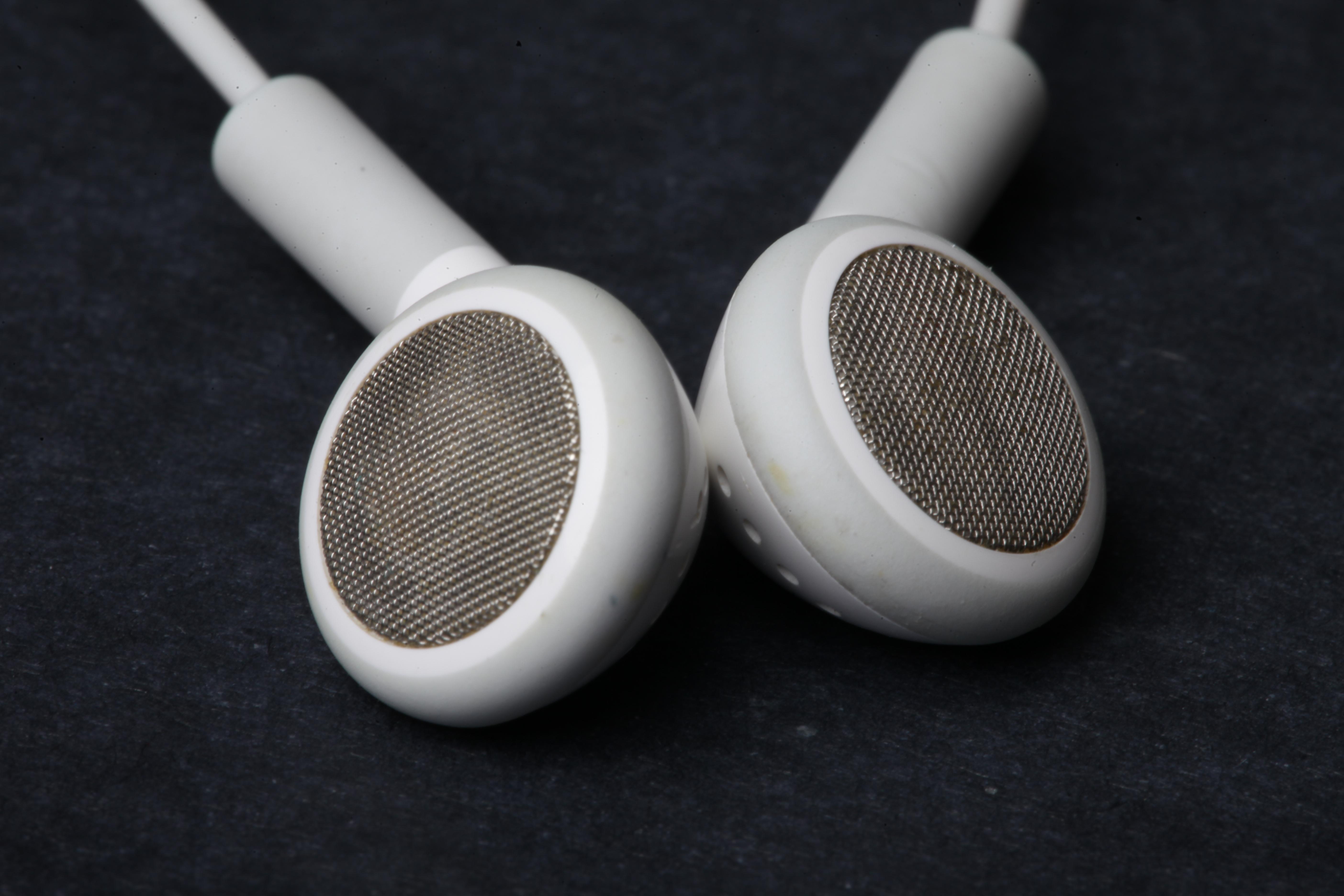 Headphones, Earphones, Listen, Music, Plug, HQ Photo
