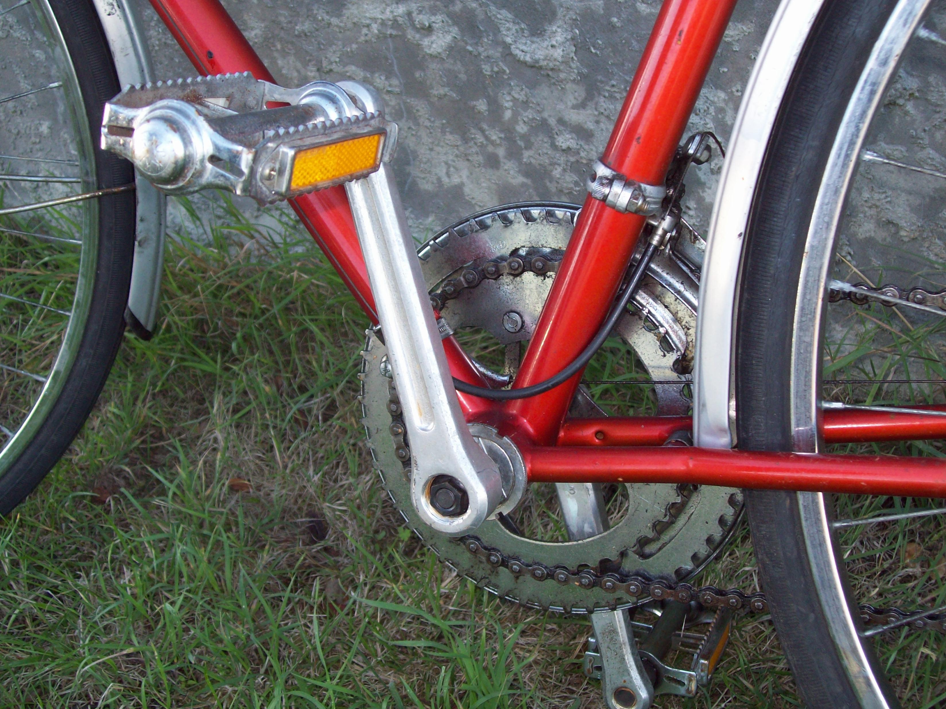 Healing Ten Speed - mens 1970s, Bicycle, Bike, Chain, Closeup, HQ Photo