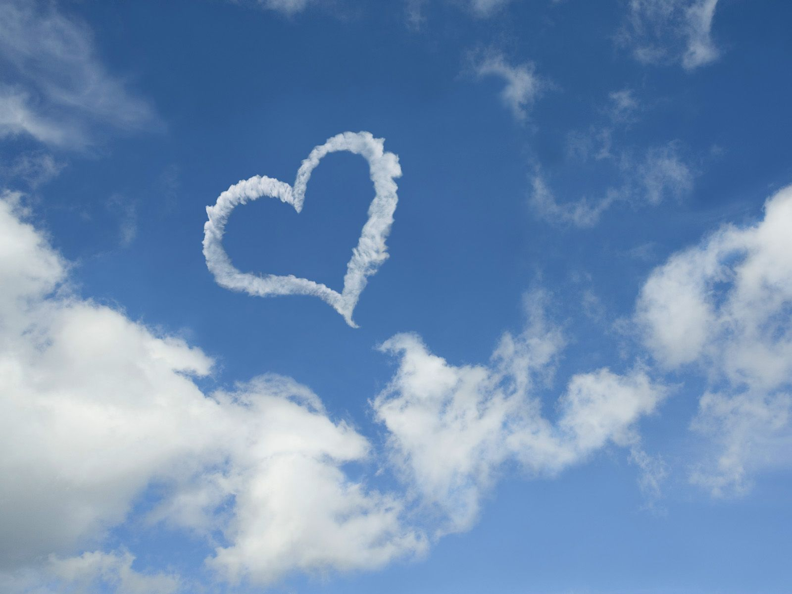 Heart-Shaped Cloud | Corazones! | Pinterest | Heart shapes, Cloud ...