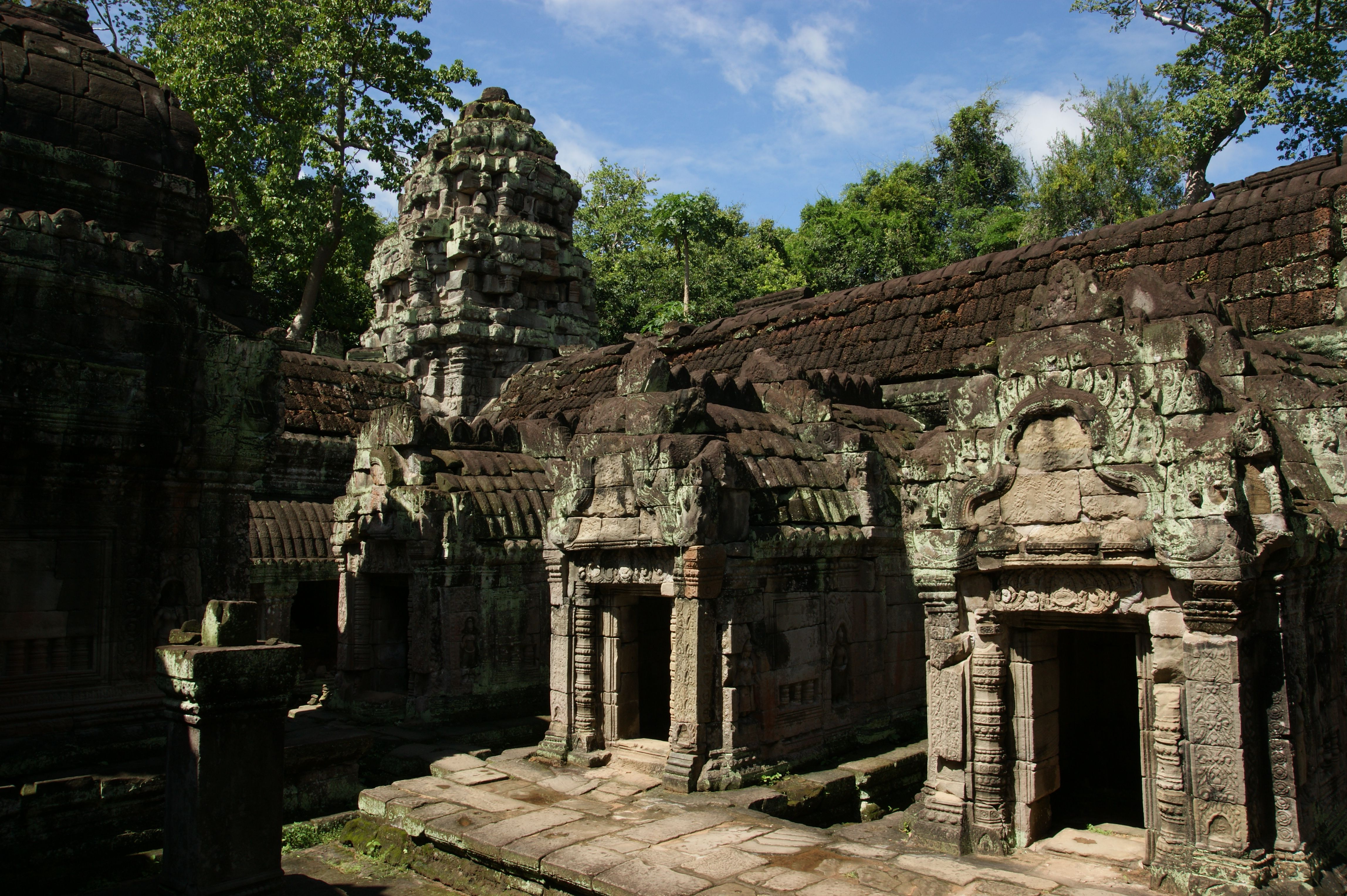 temple ruins | cambodian temple ruins | Pinterest | Temple ruins ...
