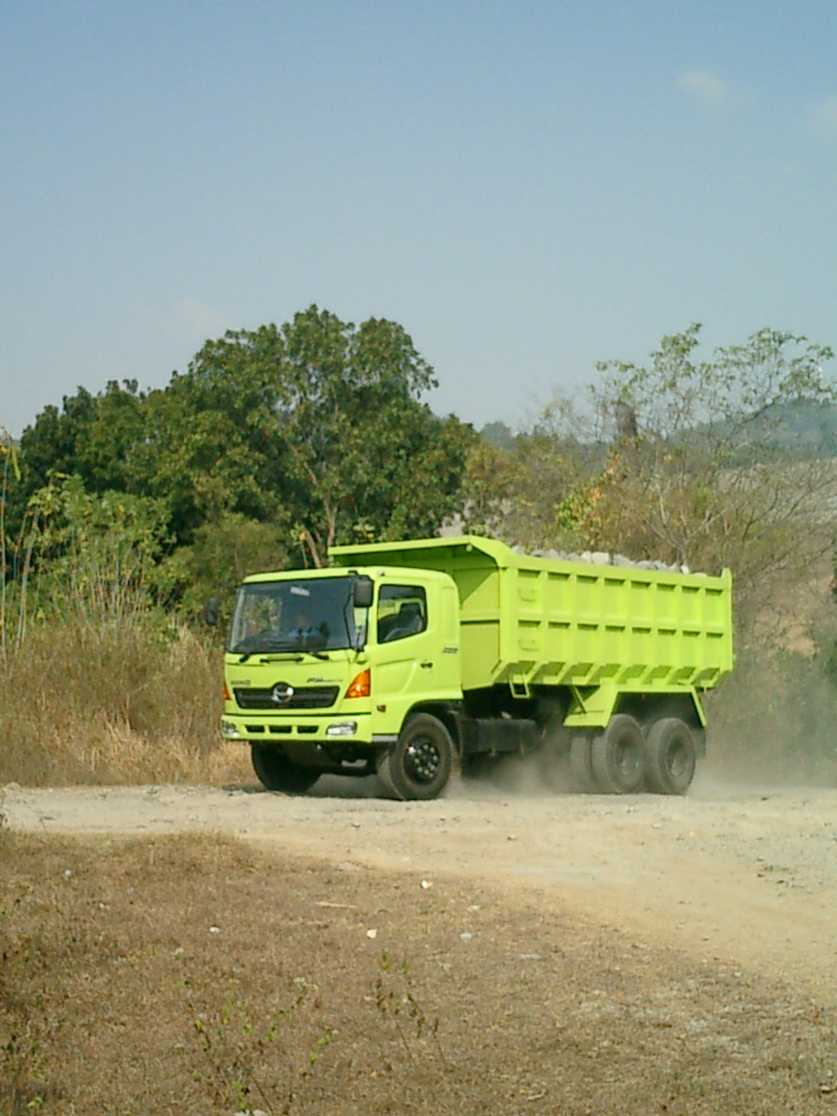 Hino Truck, Bspo06, Dust, Green, Land, HQ Photo