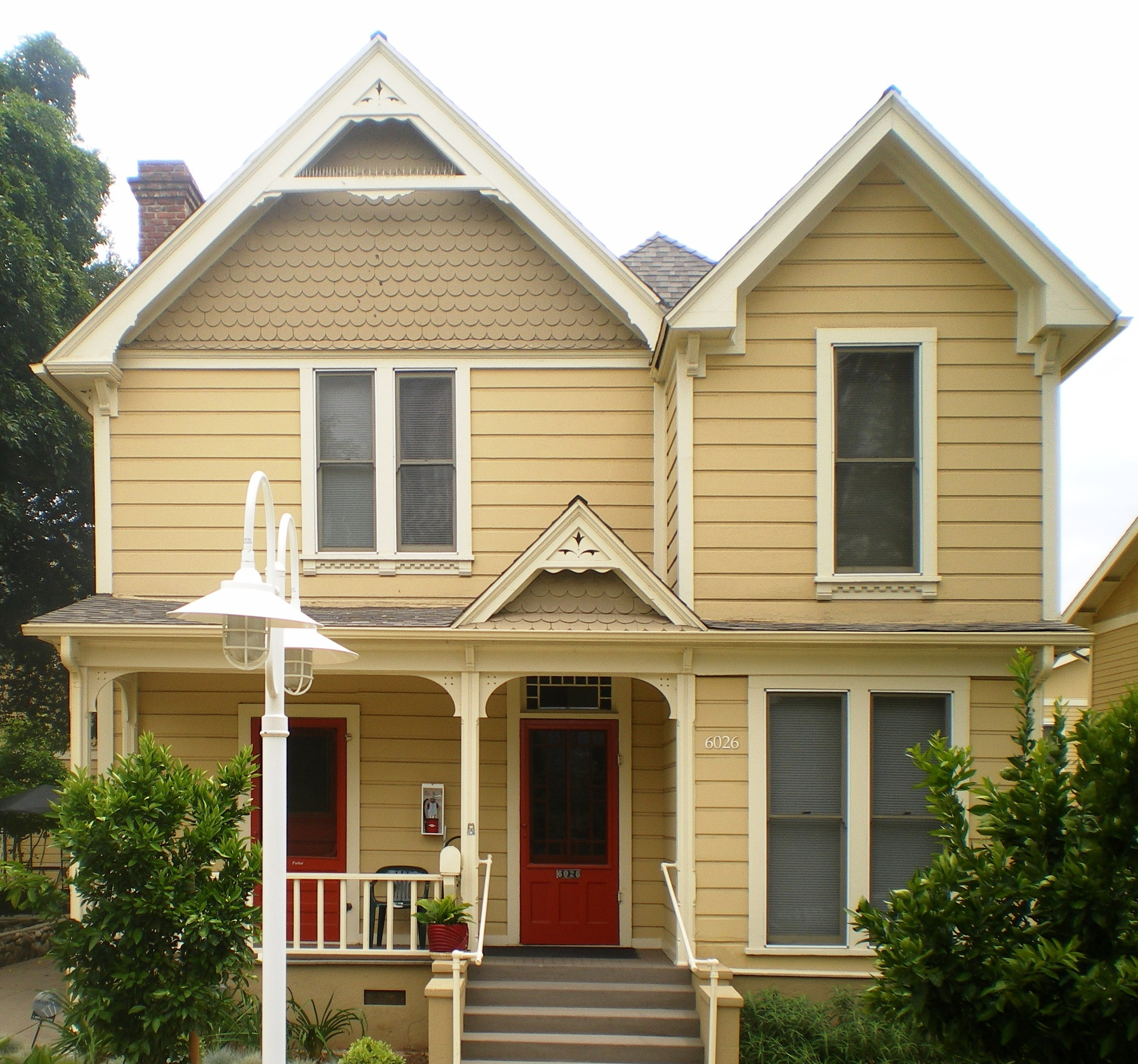 File:Pisgah Home Historic District, Highland Park.JPG - Wikimedia ...