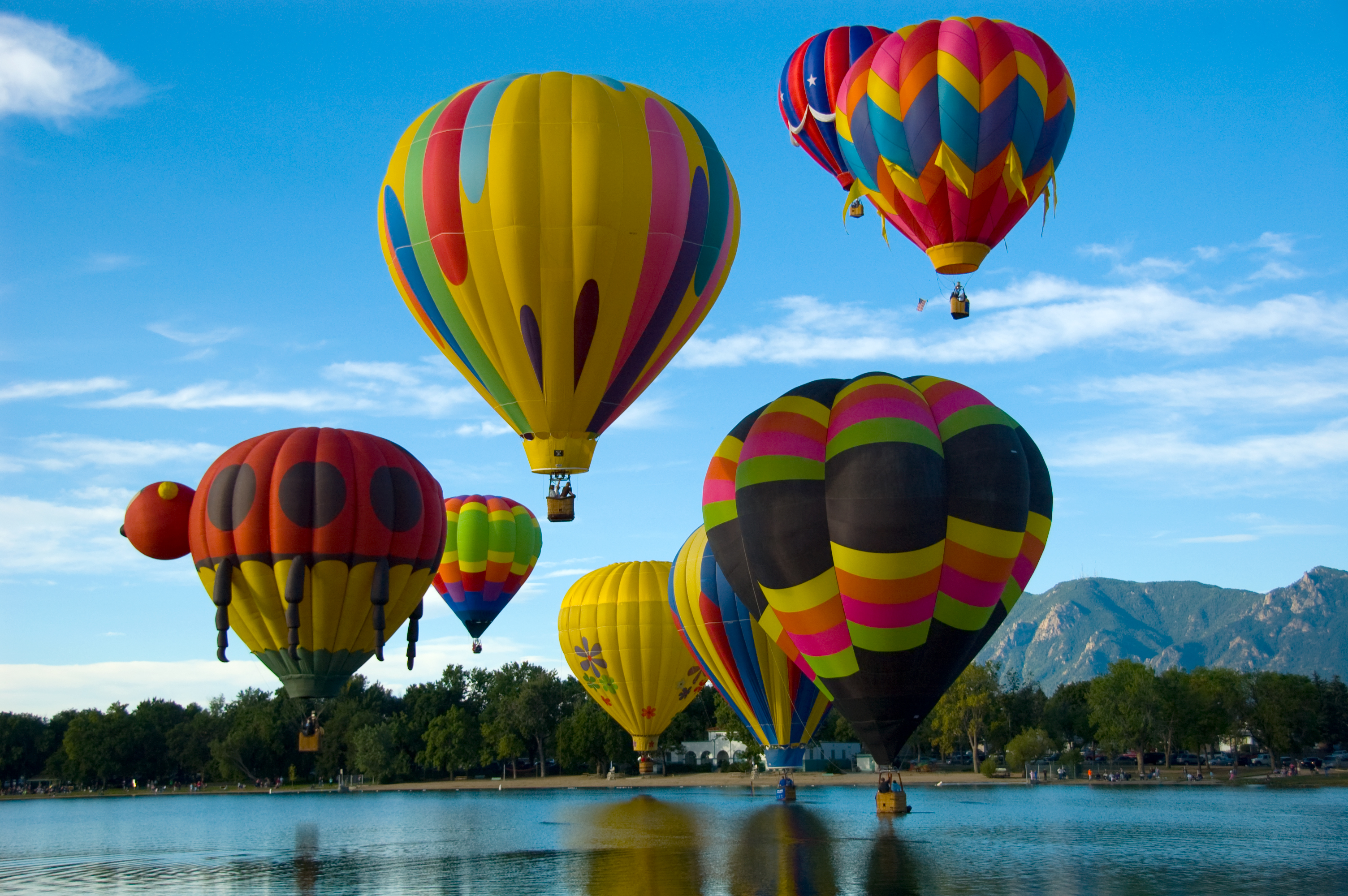 File:Colorado Springs Hot Air Balloon Competition.jpg - Wikimedia ...