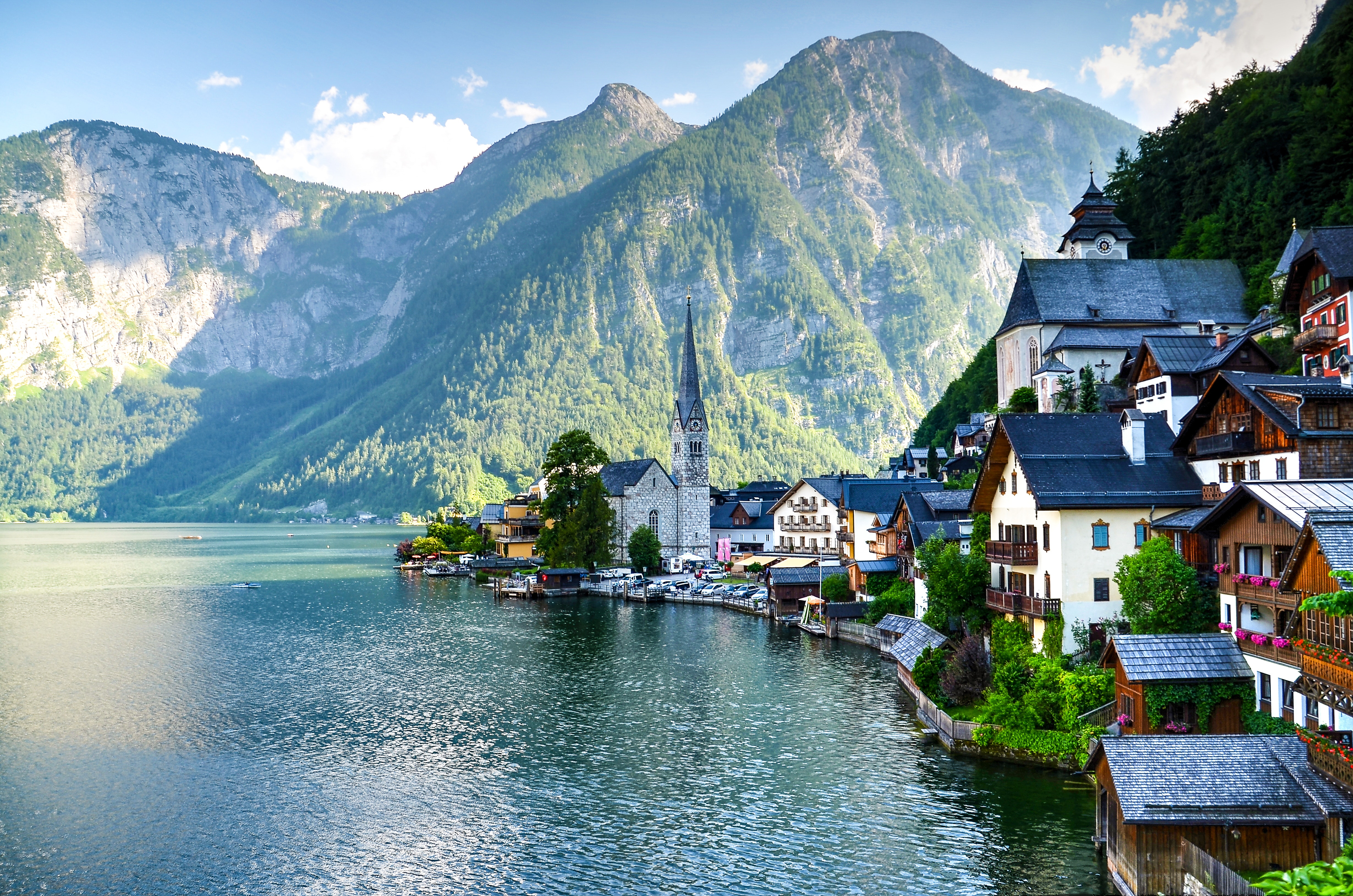 Houses Beside Body of Water and Mountains at Daytime, Trees, Sight, Skyline, Summer, HQ Photo