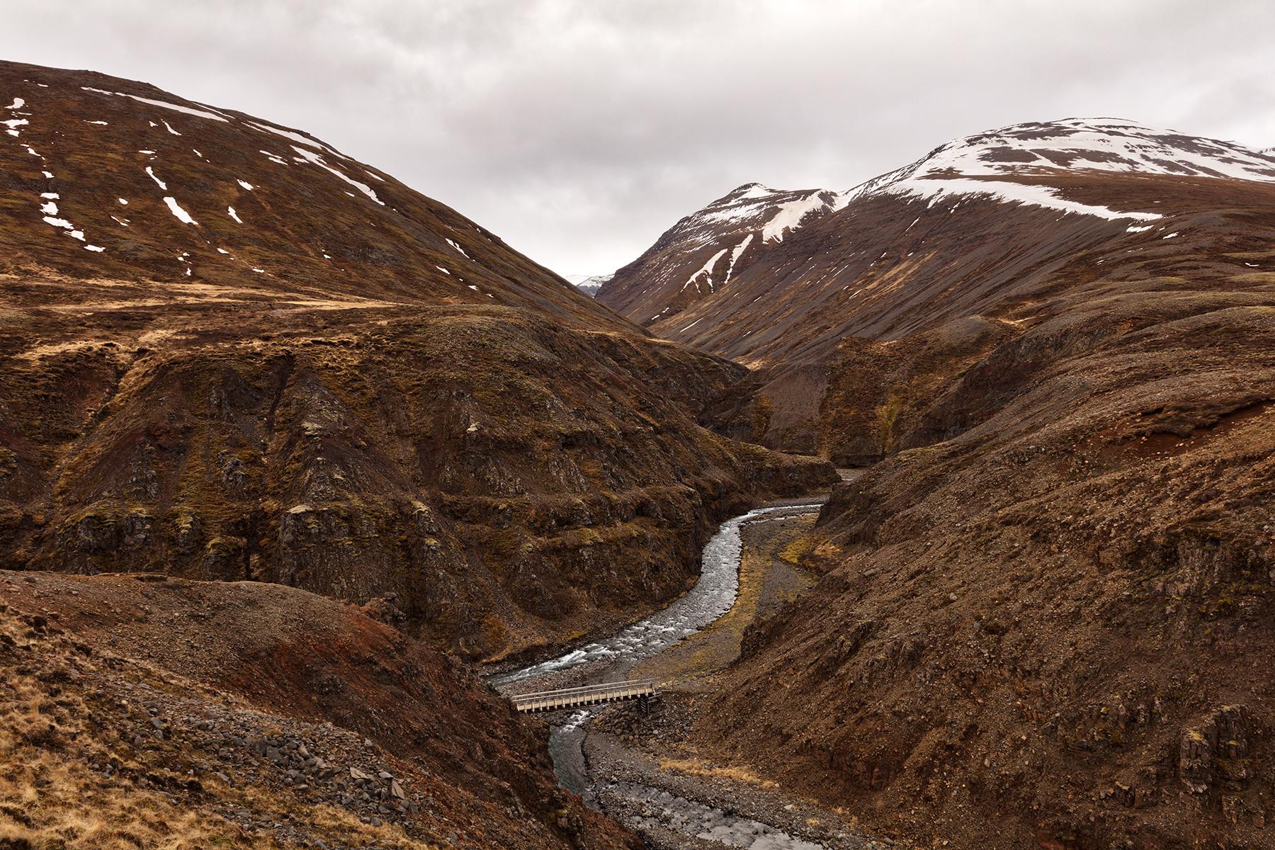 Iceland mountain river pass photo