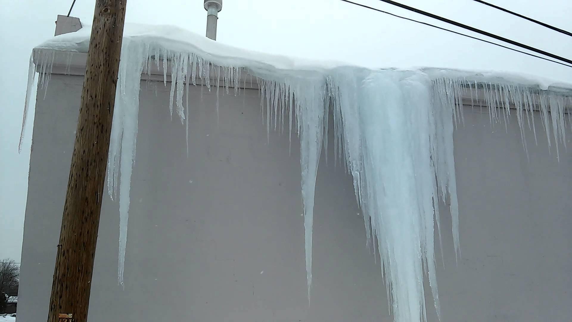 Giant falling icicle - YouTube