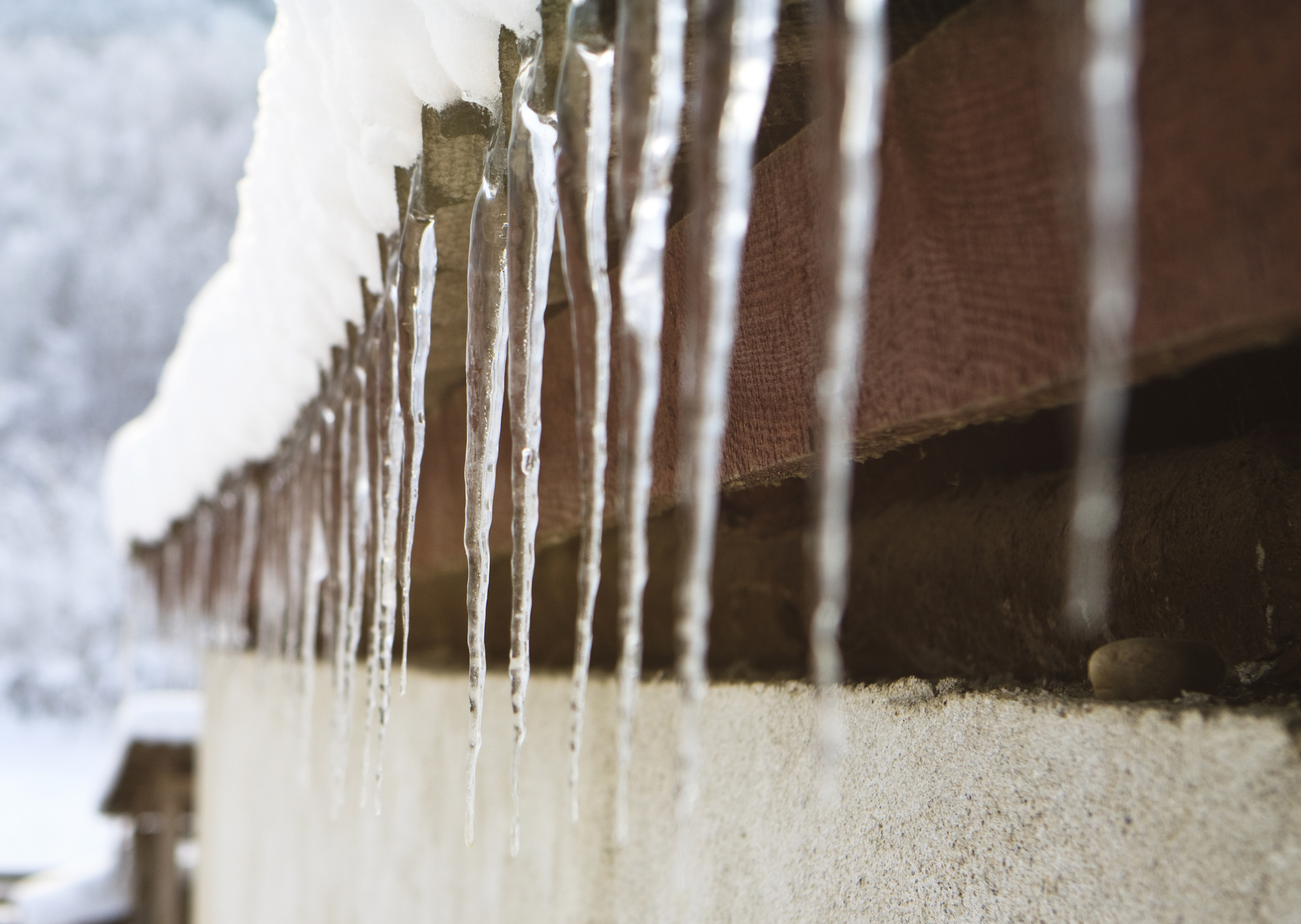Learn About Ice Dams and Icicles to Protect Your Home   GreenHomes ...