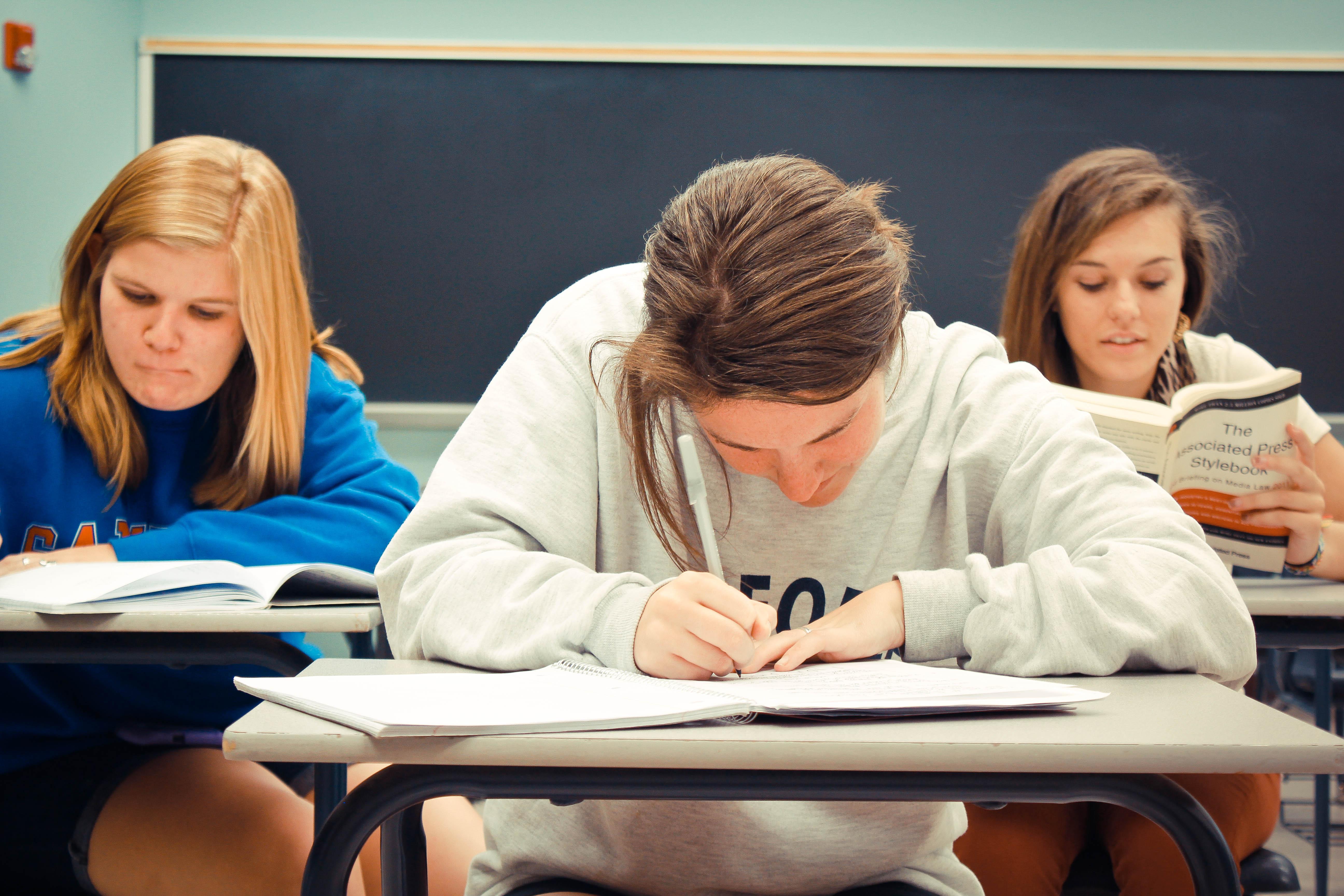 Teachers talk: do class sizes make a difference? | Homewood Local