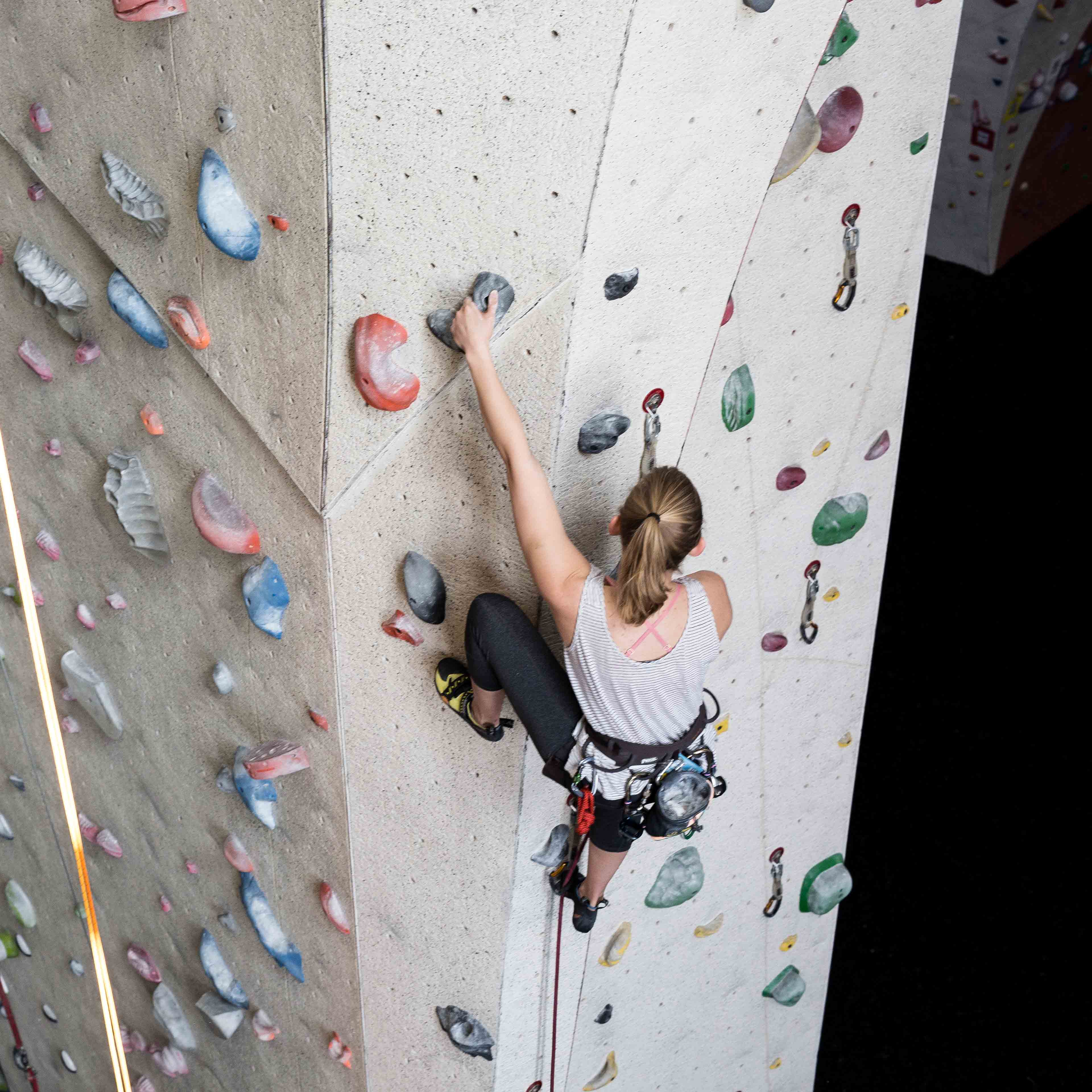 Indoor Climbing Lessons – Vertical Endeavors