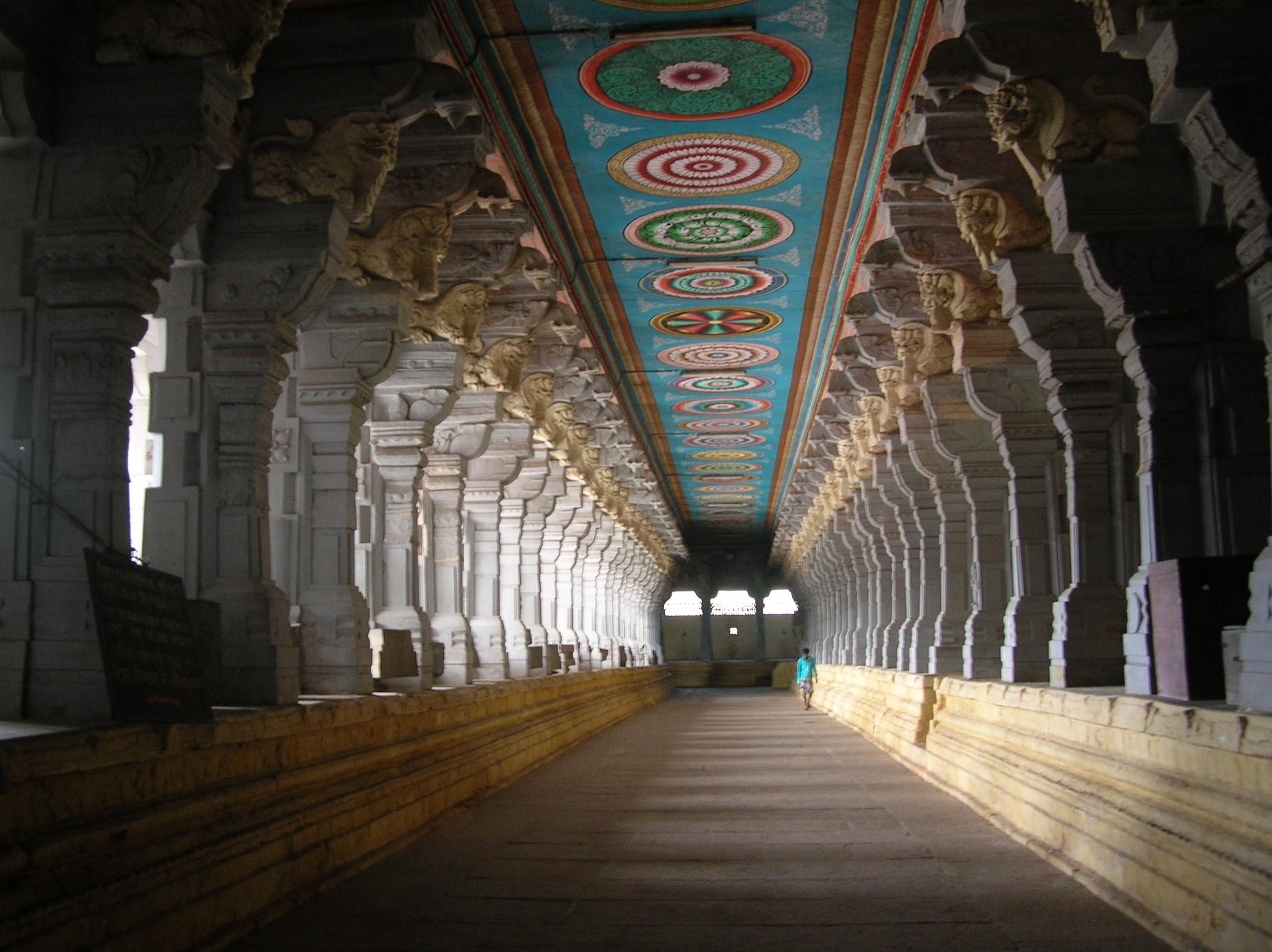File:Rameswaram Temple Inside.jpg - Wikimedia Commons