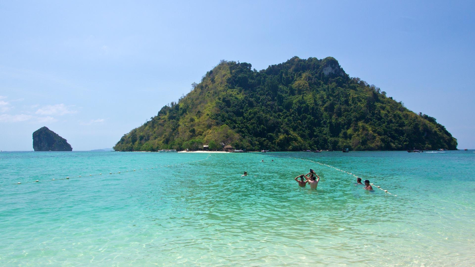 Chicken Island and Tub Island in Krabi – a day trip | Travel blog ...