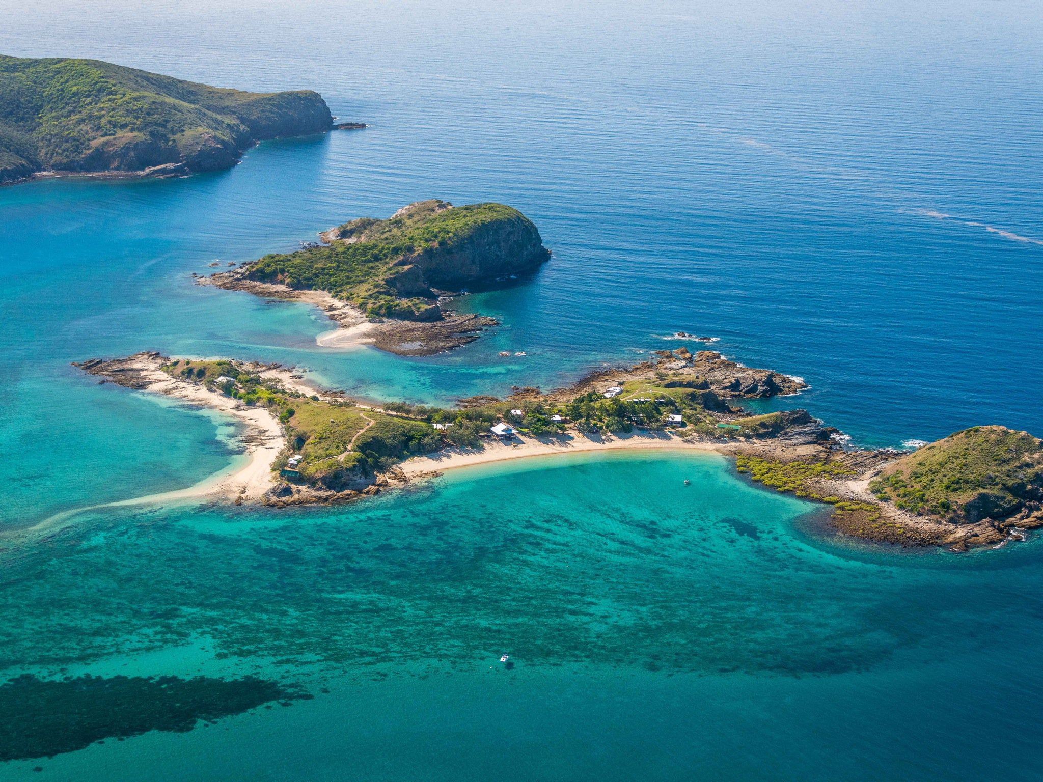 You Can Hire This Whole Island In Queensland For You & 33 Mates