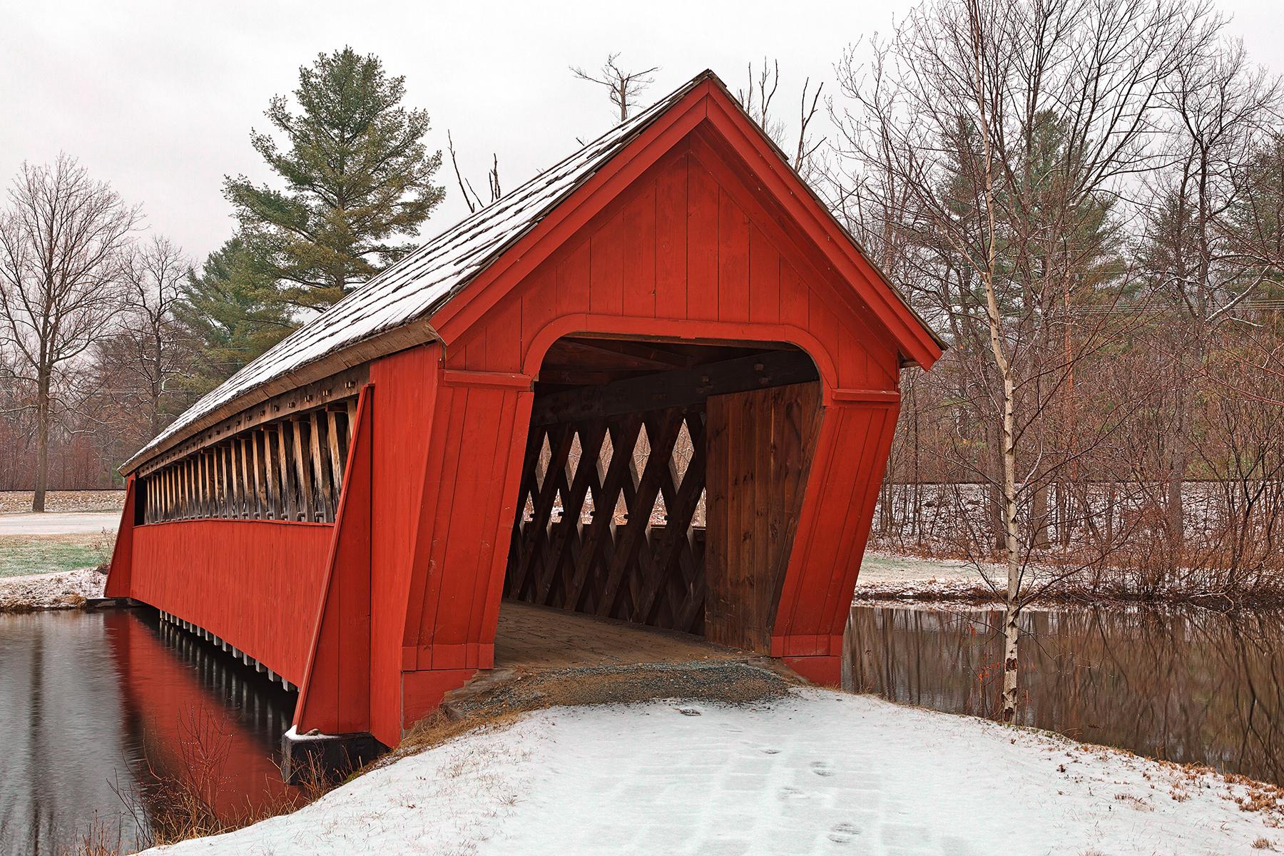 Jack o'lantern snow covered bridge - hdr photo