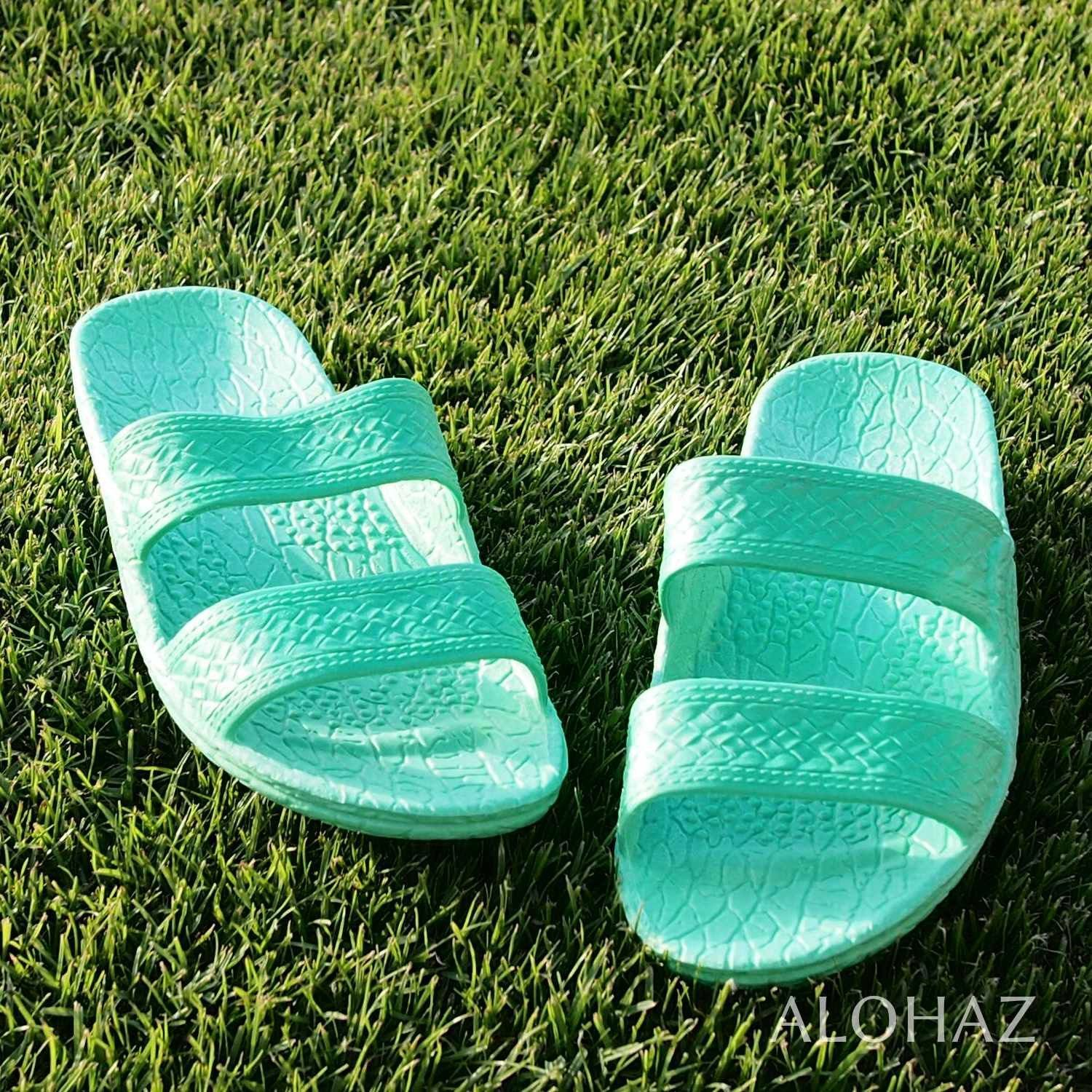 Jandals: coloured photo