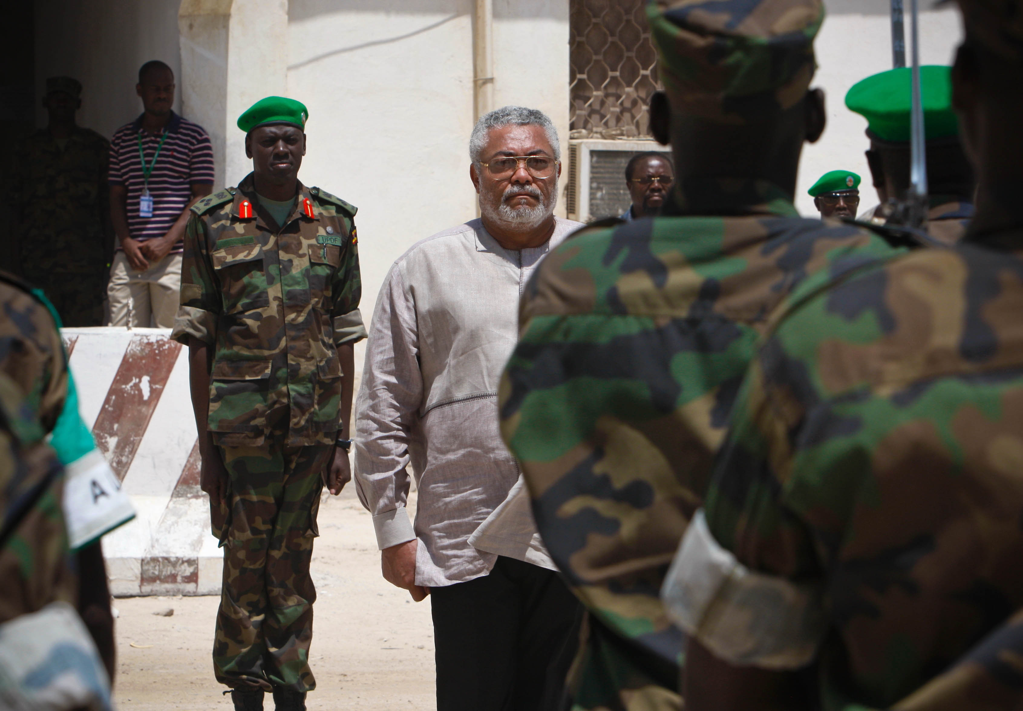 Jerry rawlings visits amisom 04 photo