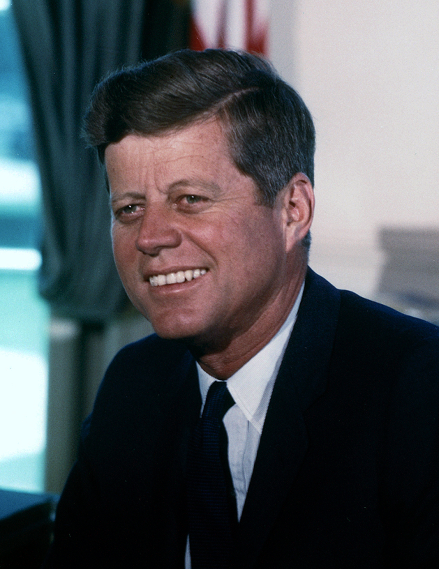 File:John F. Kennedy, White House color photo portrait.jpg ...