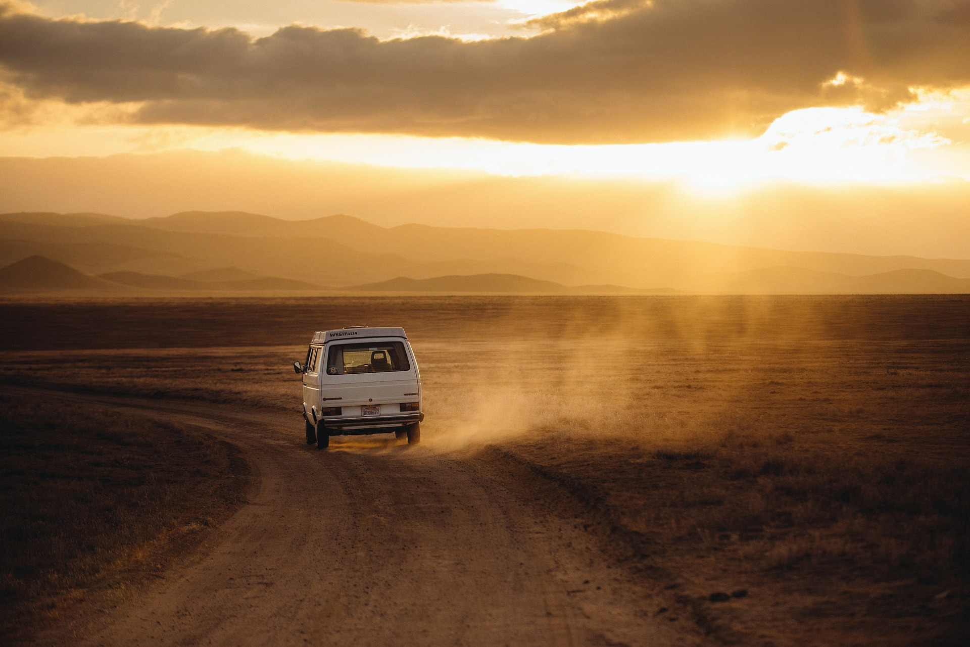 Travel Checklist & Tips For a Long Car Journey - autoevolution