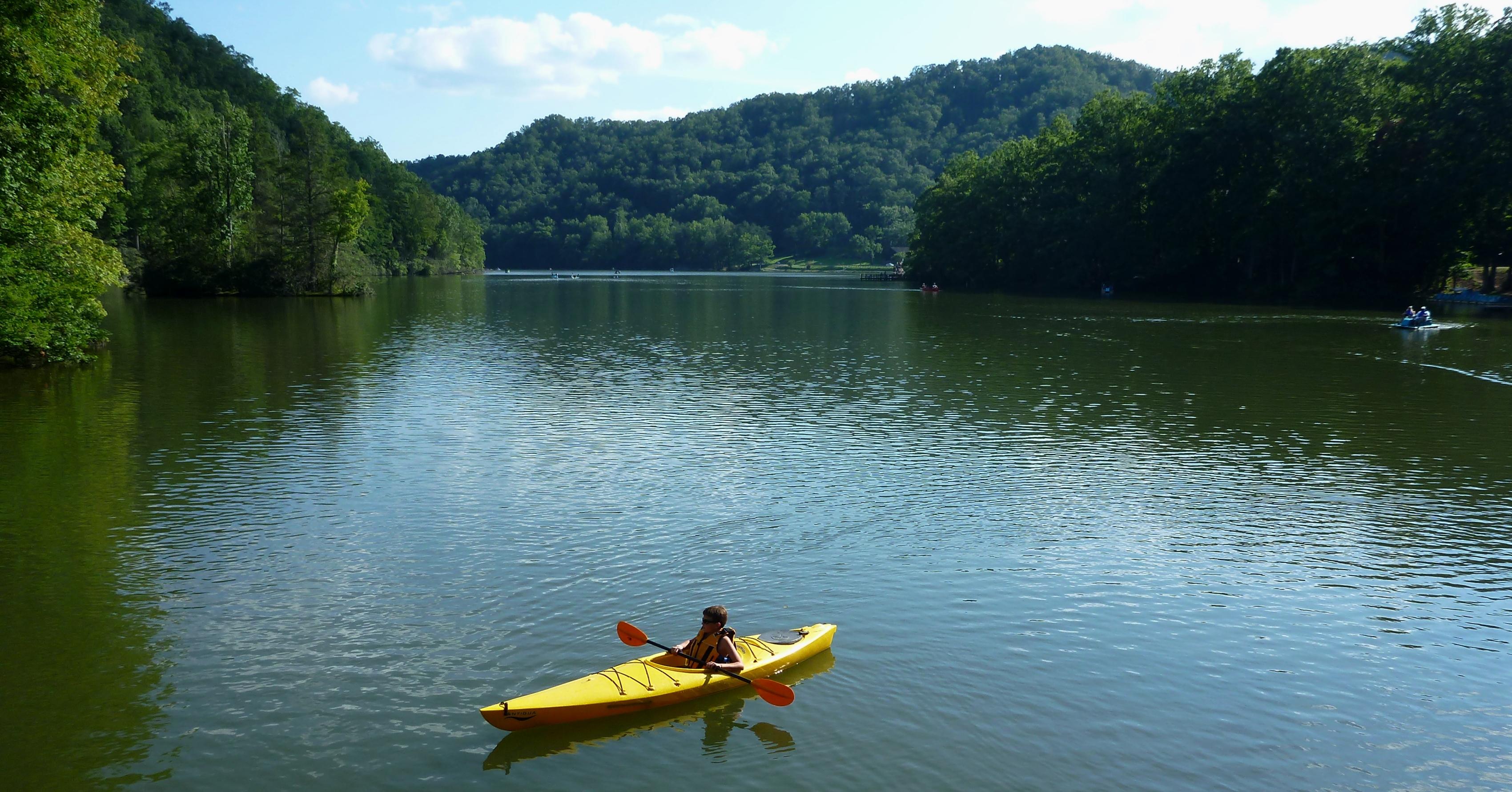 Kayaking Hungry Mother Lake | Abingdon Outdoors