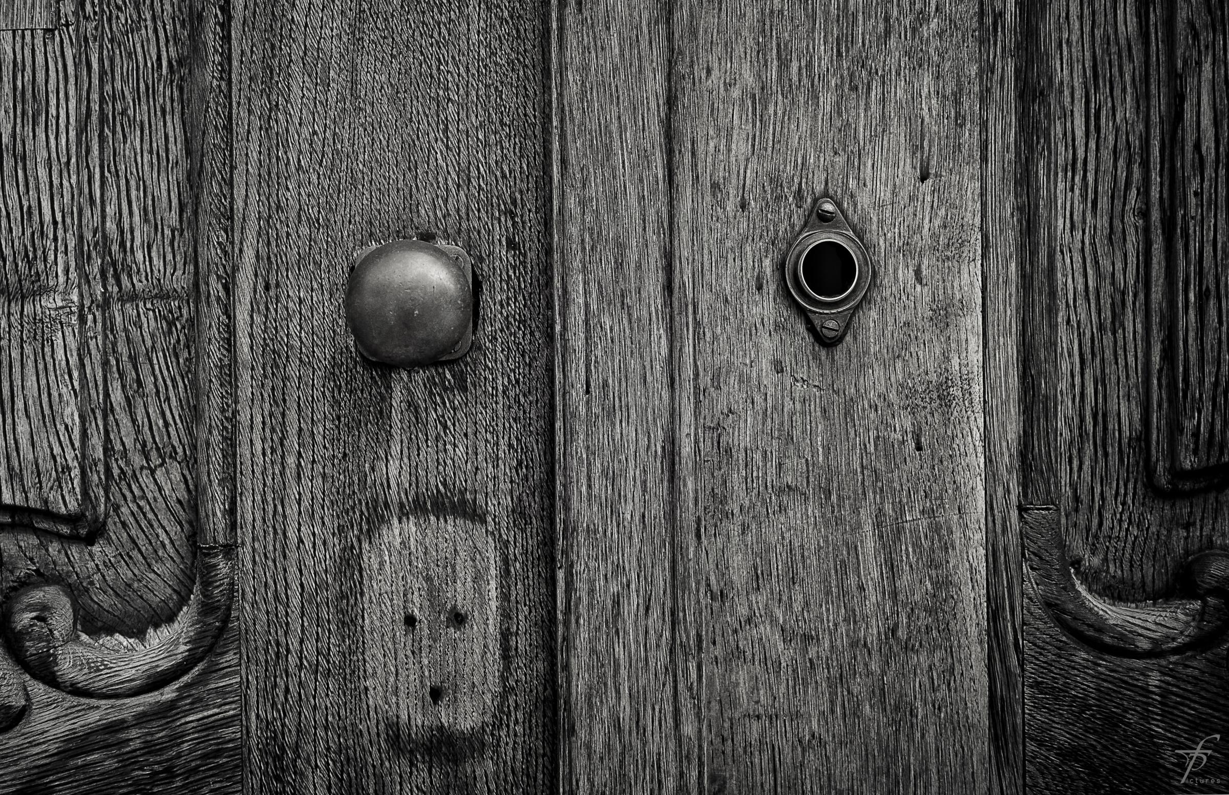 Keyhole photo