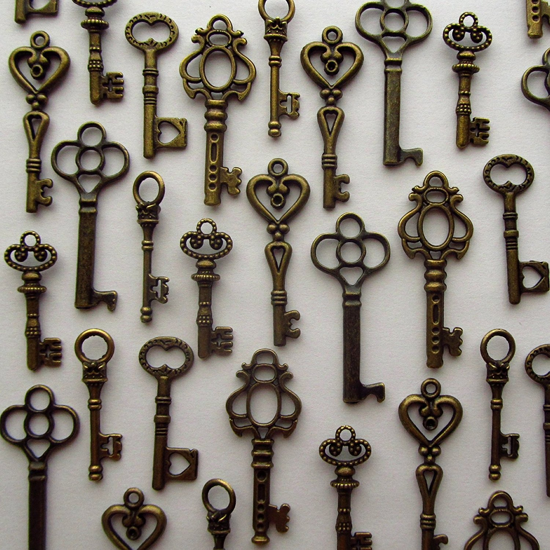 Amazon.com: Salome Idea Skeleton Key Charm Set in Antique Bronze (48 ...
