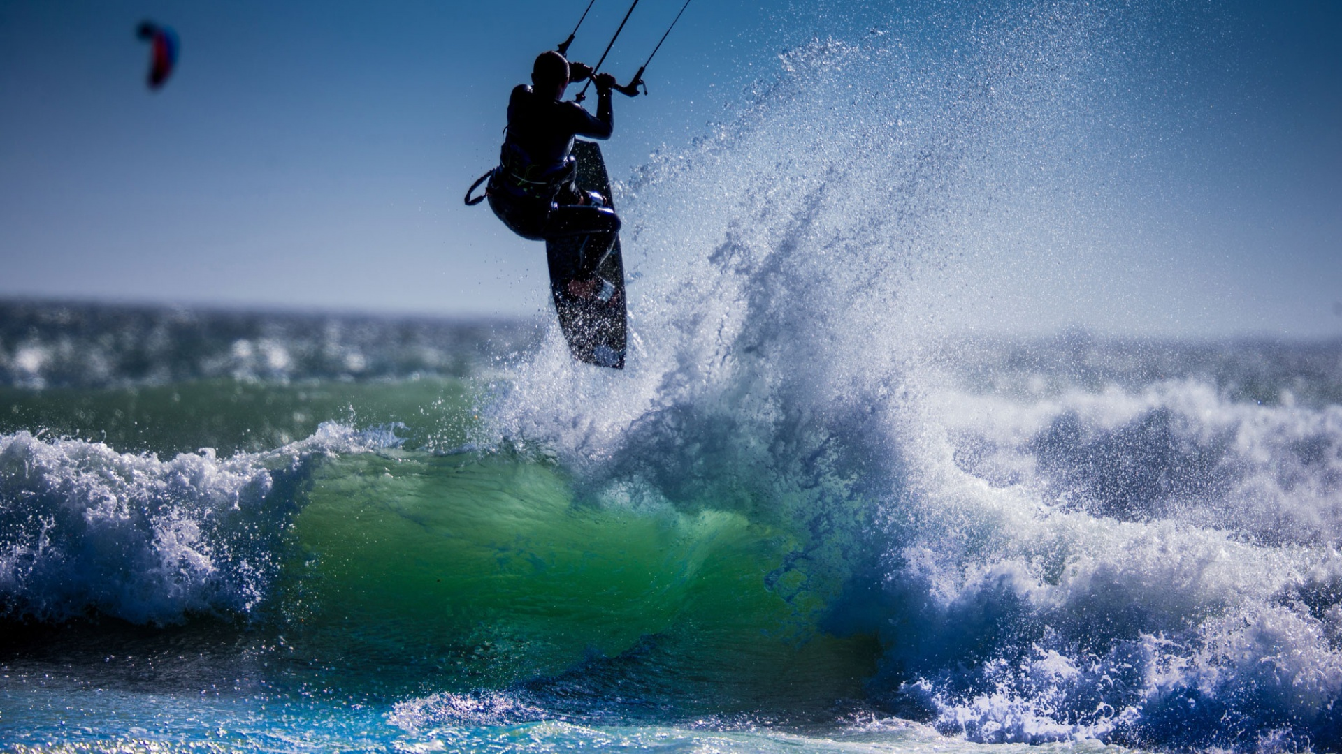 Kitesurfing For Beginners: What Is It? Who Invented It? And, Where ...