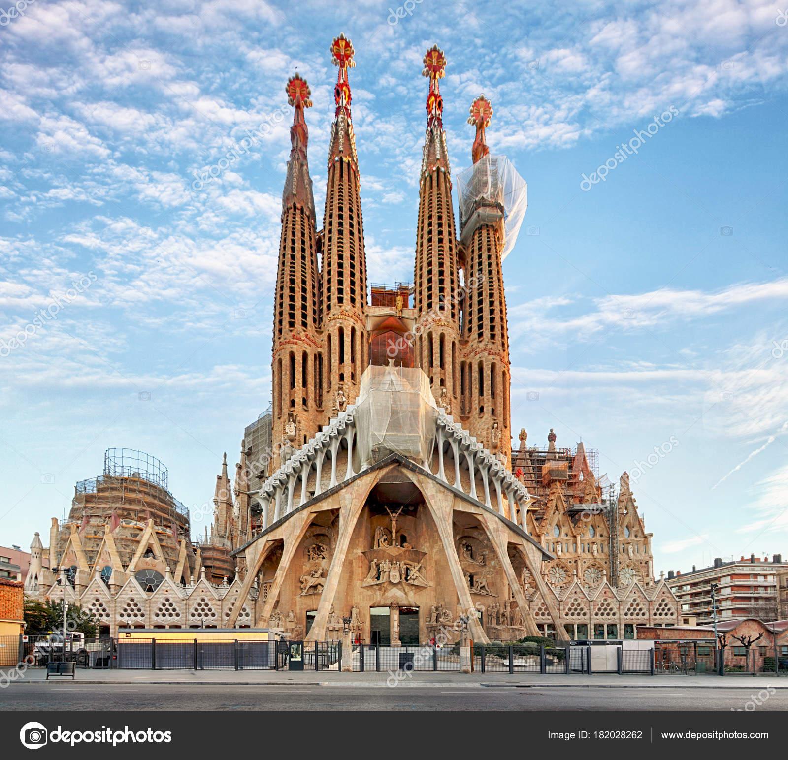 BARCELONA, SPAIN - FEBRUARY 10: La Sagrada Familia - the impress ...